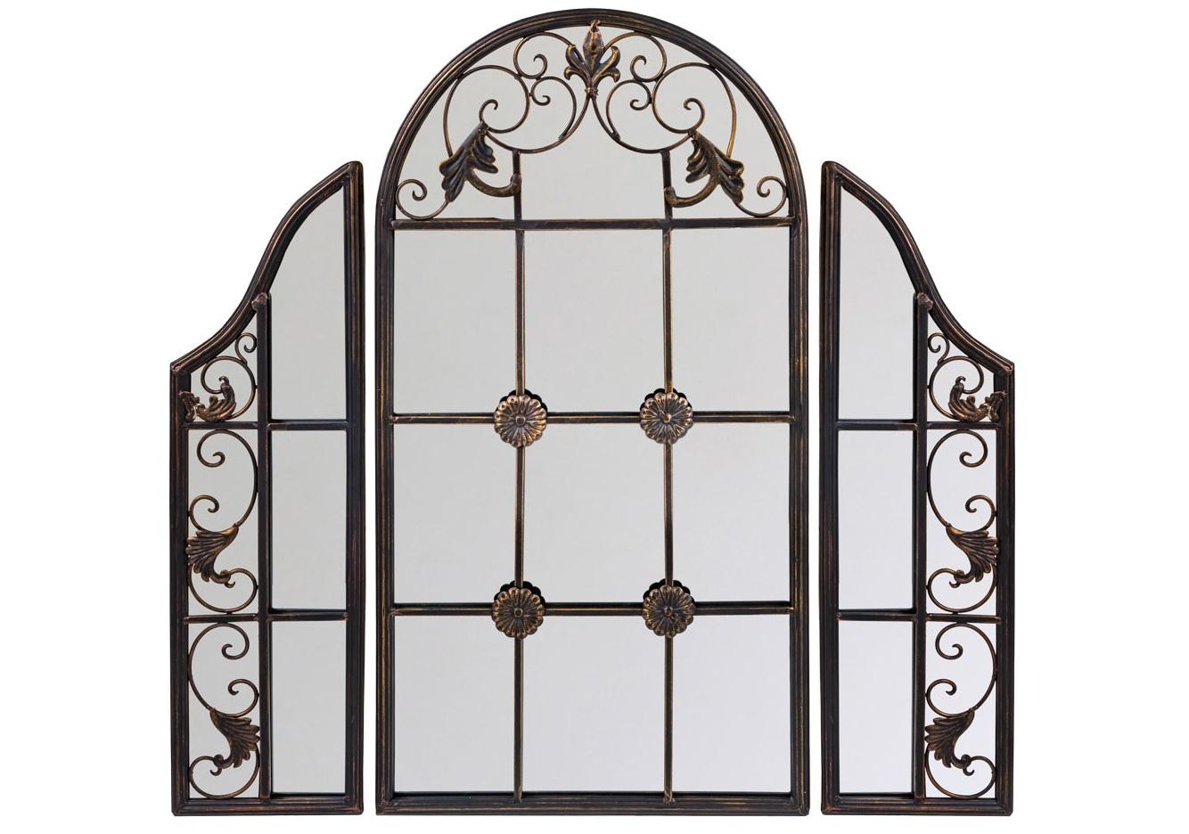Настенное зеркало СильвестраНастенные зеркала<br>Зеркало &amp;quot;Сильвестра&amp;quot; с первого взгляда поглощает воображение, - поражает изобретательным дизайном, нарядившим ретро-трюмо в костюм ширмы и объединившим пышный дворцовый узор с японской экзотикой. Центральная грань зеркала имитирует оконную раму. Зеркальное &amp;quot;окно&amp;quot; - эффектный и экстравагантный имидж старинного поместья, пронизанного атмосферой свежего воздуха и света. Винтажный мотив, исполненный новейшими технологиями, обещает совместимость этой модели с большинством классических и современных жанров.<br><br>Material: Металл<br>Width см: 85<br>Depth см: 2<br>Height см: 85.5