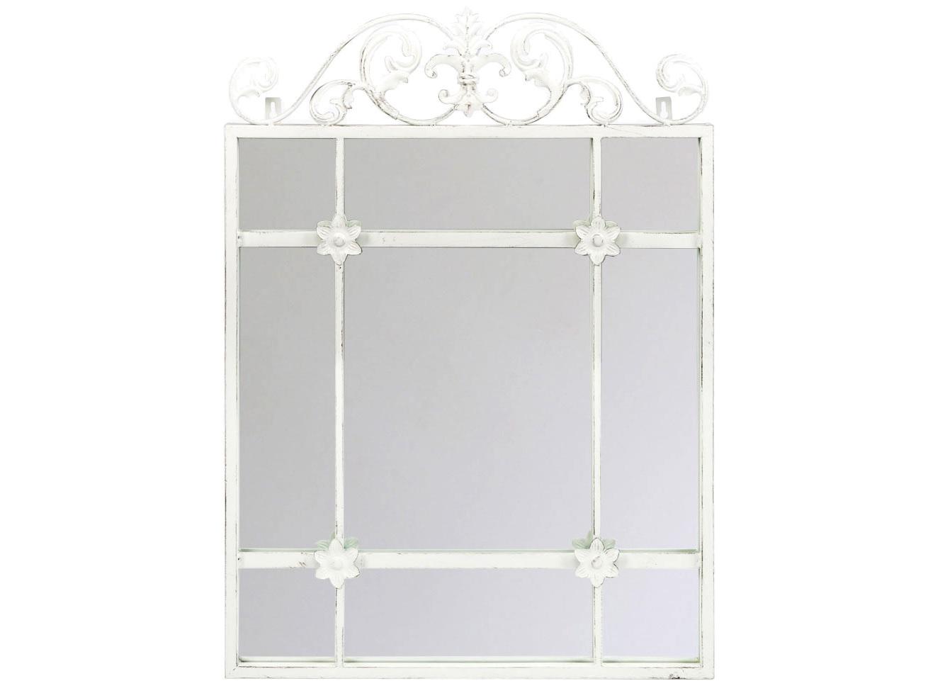 Настенное зеркало РавельНастенные зеркала<br>Зеркало &amp;quot;Равель&amp;quot;, построенное контрастом лаконичного прямоугольного корпуса с плетеной роскошью королевских узоров, претендует угодить и рациональным, и романтичным характерам. Объемный внутренний ярус  рамы отражается в зеркале, придавая интерьеру игривую загадочность, объемность и глубину. Эклектичный дизайн, наградивший лаконичный кельтский корпус роскошью дворцовых вензелей, наверняка впишется в палитры классических и авангардных интерьеров.<br><br>Material: Металл<br>Width см: 50<br>Depth см: 4<br>Height см: 70