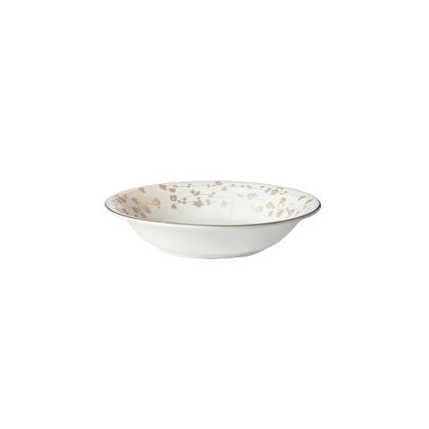 ЧашаМиски и чаши<br>MIKASA по праву считается одним из мировых лидеров по производству столовой посуды из фарфора и керамики. На протяжении более полувека категории качества и дизайна являются неотъемлемой частью бренда MIKASA. Сегодня MIKASA сотрудничает со многими известными дизайнерами, работающими для лучших фабрик мира, и использует самые передовые технологии в производстве посуды. Все продукты бренда  MIKASA безупречны с точки зрения дизайна и исполнения.&amp;amp;nbsp;<br><br>Material: Фарфор<br>Diameter см: 14