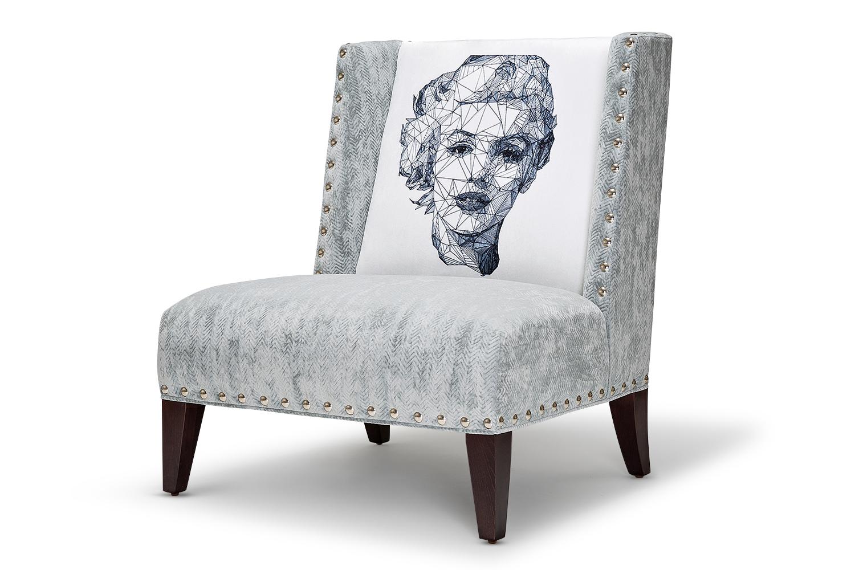 Кресло ICONИнтерьерные кресла<br>Авторское кресло с принтом известного иллюстратора Джоша Брайна, который сотрудничал с Atelier Swarovski, IBM, Derwent Карандаши и Wired Magazine. Его работы в узнаваемом стиле триангуляции выставляются в лондонских галереях 4 Cork St &amp;amp;amp; 25 Soho Square. Принт &amp;quot;Мэрилин&amp;quot; произведен специально для Icon Designe.&amp;amp;nbsp;&amp;lt;div&amp;gt;&amp;lt;br&amp;gt;&amp;lt;/div&amp;gt;&amp;lt;div&amp;gt;Каркас и ножки: дуб.&amp;amp;nbsp;&amp;lt;/div&amp;gt;&amp;lt;div&amp;gt;Ткань: бархатистый микровелюр, отлично пропускающий воздух, отталкивающий пыль и долго сохраняющий изначальный цвет. Можно мыть с чистящими средствами.&amp;lt;/div&amp;gt;<br><br>Material: Текстиль<br>Length см: None<br>Width см: 85<br>Depth см: 80<br>Height см: 90