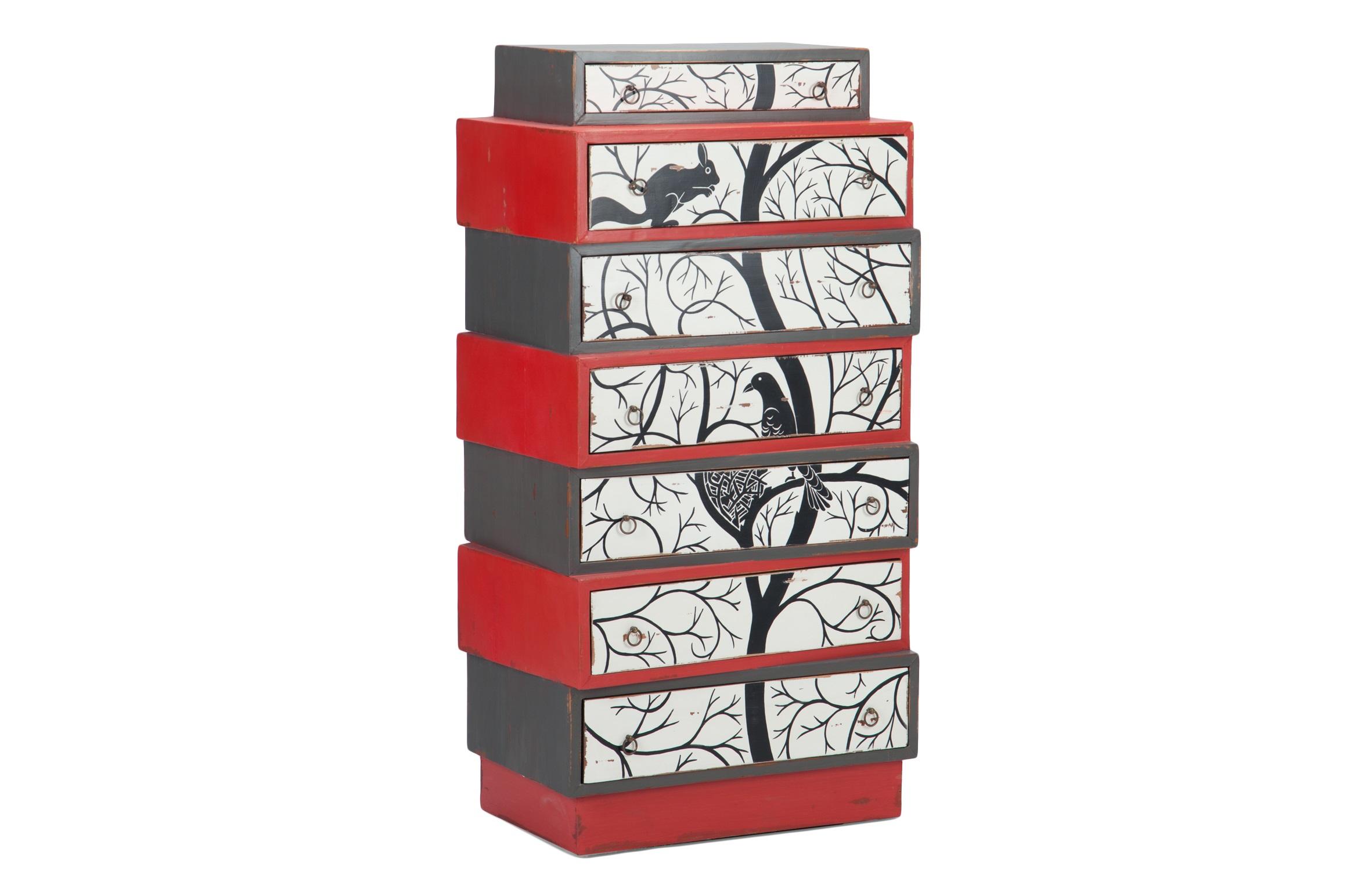 Комод высокийБельевые комоды<br>Высокий комод оригинального дизайна из дерева махагони с росписью ручной работы.<br><br>Material: Красное дерево<br>Width см: 71<br>Depth см: 46<br>Height см: 130