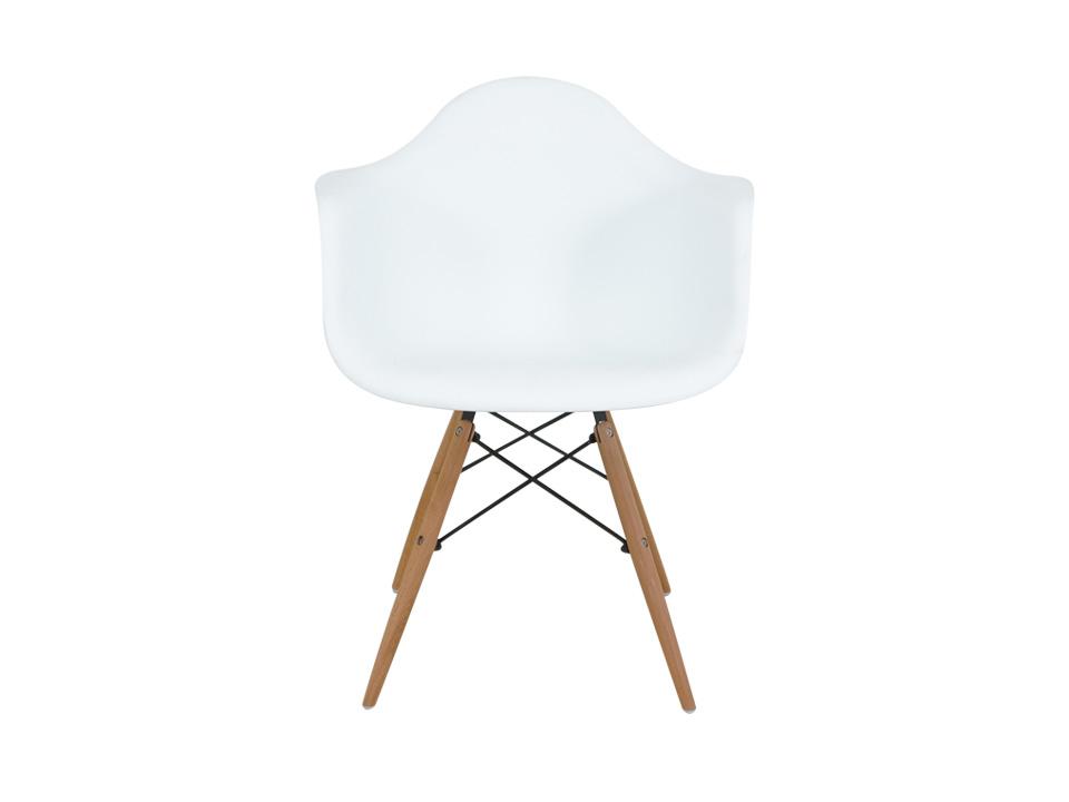 Стул SpacerОбеденные стулья<br>Одно из самых удобных пластиковых кресел, какое только можно себе представить! Эта эргономичная форма сиденья поддерживает спину, а деревянные ножки добавляют устойчивости. Используйте в качестве офисного кресла, или в виде обеденного стула в столовой в скандинавском стиле -- оно будет одинаково прекрасно смотрется везде.<br><br>Material: Пластик<br>Width см: 62<br>Depth см: 57<br>Height см: 80