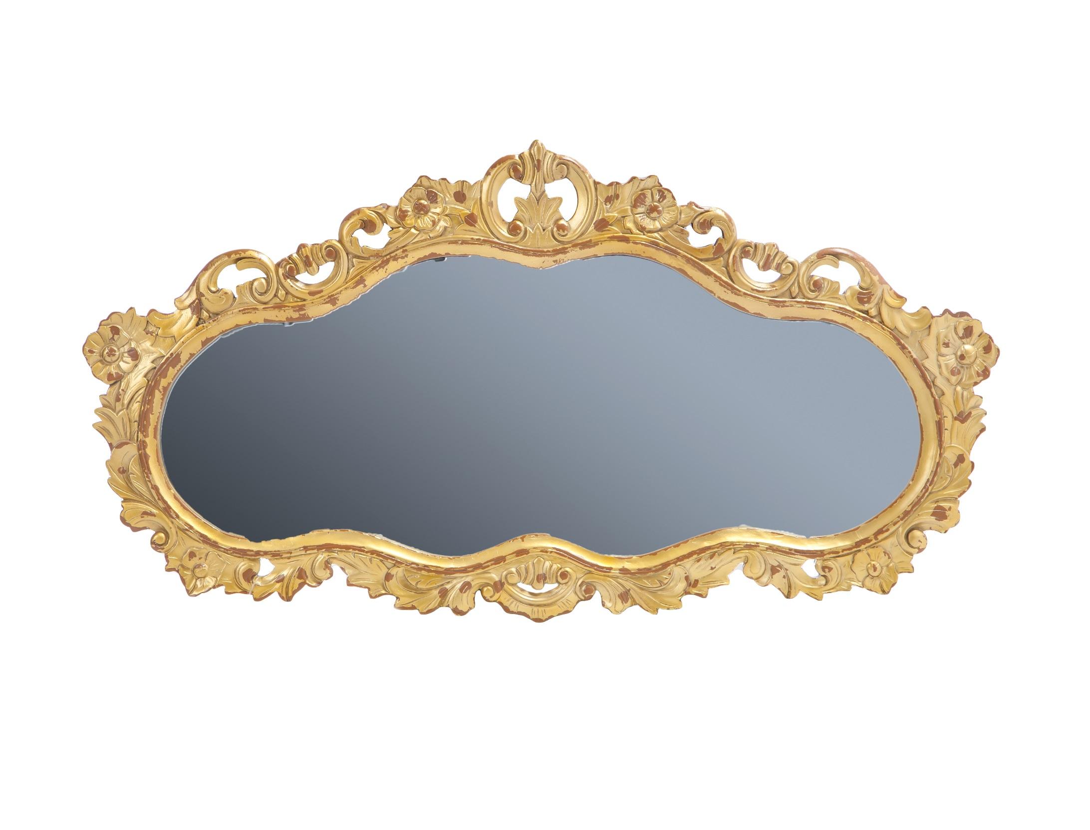 Зеркало «Барокко»Настенные зеркала<br>Зеркало в стиле барокко, украшено резьбой и старением.<br><br>Material: Красное дерево<br>Width см: 129<br>Height см: 70