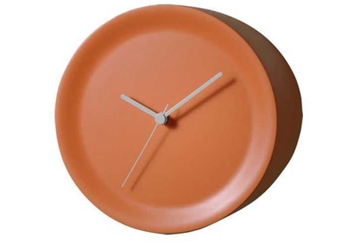 Часы угловые ora outНастенные часы<br>Эти стильные часы предназначены для декора самой незадействованной части помещения: наружных углов. Благодаря такому расположению проверить время можно фактически из любой части комнаты: циферблат отлично просматривается под любым углом.<br>Лаконичные линии, отсутствие лишних деталей и классические серые стрелки — такой минималистичный дизайн легко адаптируется под самую разную обстановку (как домашнюю, так и офисную). <br>Часы представлены в двух цветовых вариациях.&amp;amp;nbsp;<br>&amp;lt;div&amp;gt;&amp;lt;br&amp;gt;&amp;lt;/div&amp;gt;&amp;lt;div&amp;gt;Материал: термопластик&amp;lt;/div&amp;gt;&amp;lt;div&amp;gt;Механизм: Кварцевый&amp;lt;/div&amp;gt;<br><br>Material: Пластик<br>Depth см: 15<br>Diameter см: 21