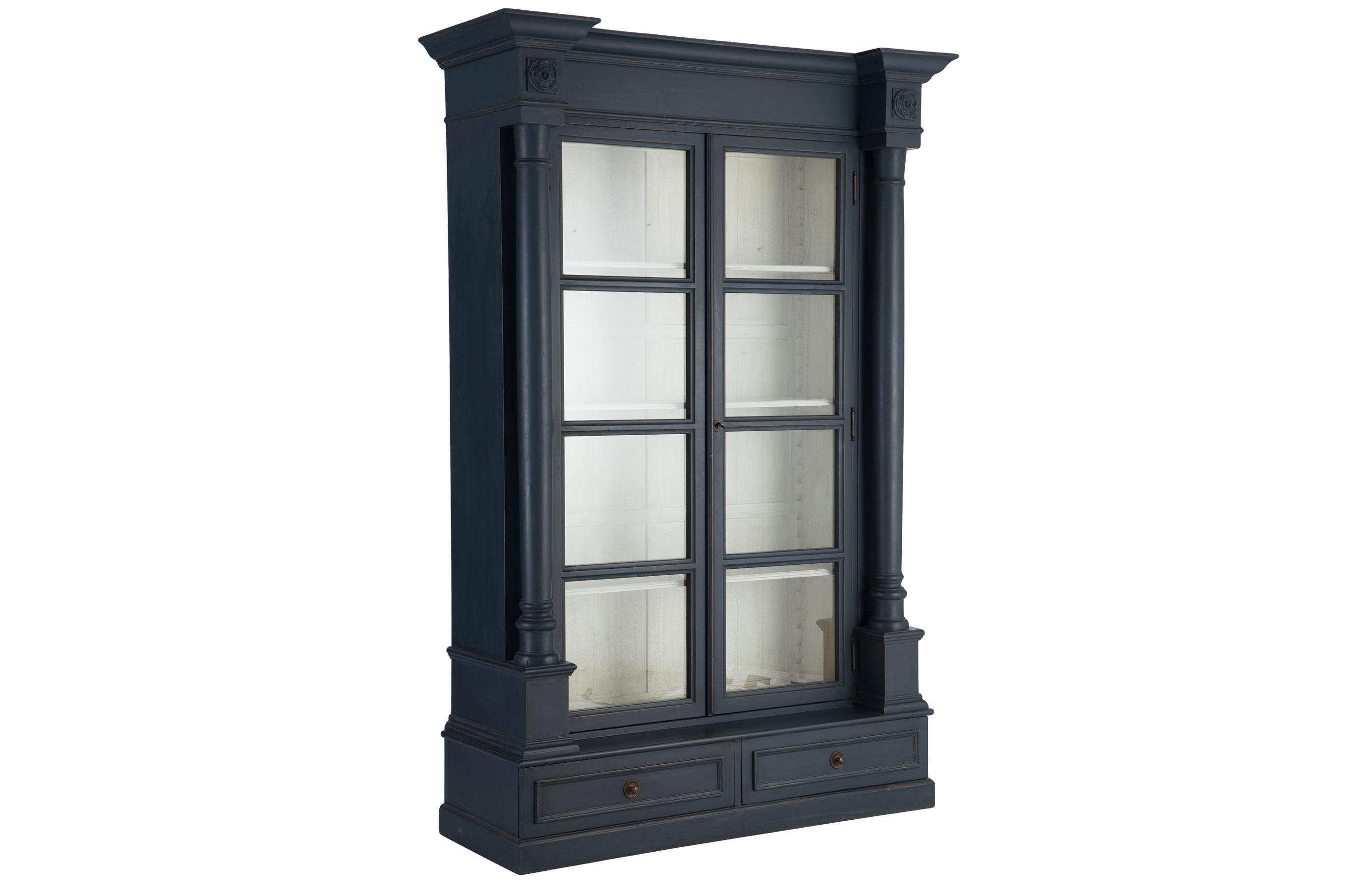 БиблиотекаКнижные шкафы и библиотеки<br>Библиотека в классическом стиле, украшена резными элементами. Дверцы со стеклом.Матовый синий цвет снаружи. Внутри белый цвет с патиной.<br><br>Material: Береза<br>Width см: 155<br>Depth см: 57<br>Height см: 235