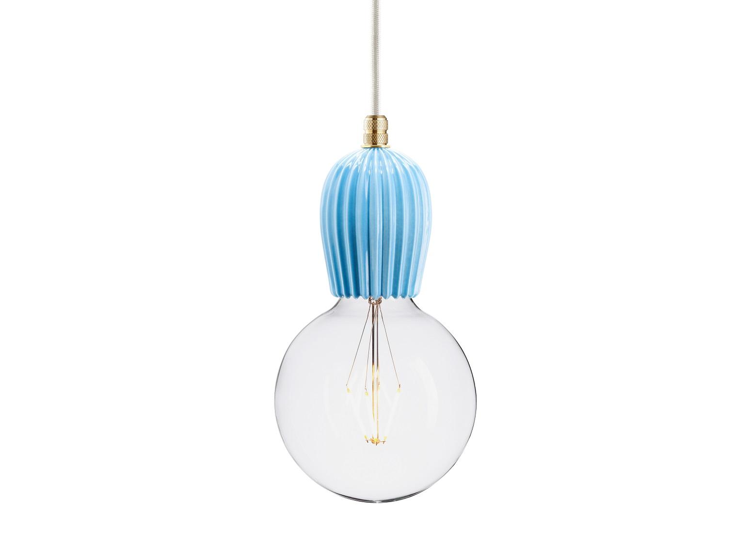 Подвесной светильник AIRПодвесные светильники<br>Подвесной светильник из керамики, доступный в 4-ех цветах: красном, индиго, голубом и лиловом. Два вида фурнитуры: латунь или алюминий.&amp;amp;nbsp;&amp;lt;div&amp;gt;&amp;lt;br&amp;gt;&amp;lt;/div&amp;gt;&amp;lt;div&amp;gt;&amp;lt;div&amp;gt;Вид цоколя: E27&amp;lt;/div&amp;gt;&amp;lt;div&amp;gt;Мощность: 60W&amp;lt;/div&amp;gt;&amp;lt;div&amp;gt;Количество ламп: 1&amp;lt;/div&amp;gt;&amp;lt;div&amp;gt;&amp;lt;br&amp;gt;&amp;lt;/div&amp;gt;&amp;lt;/div&amp;gt;<br><br>Material: Керамика<br>Width см: None<br>Depth см: None<br>Height см: 10.5<br>Diameter см: 5.9