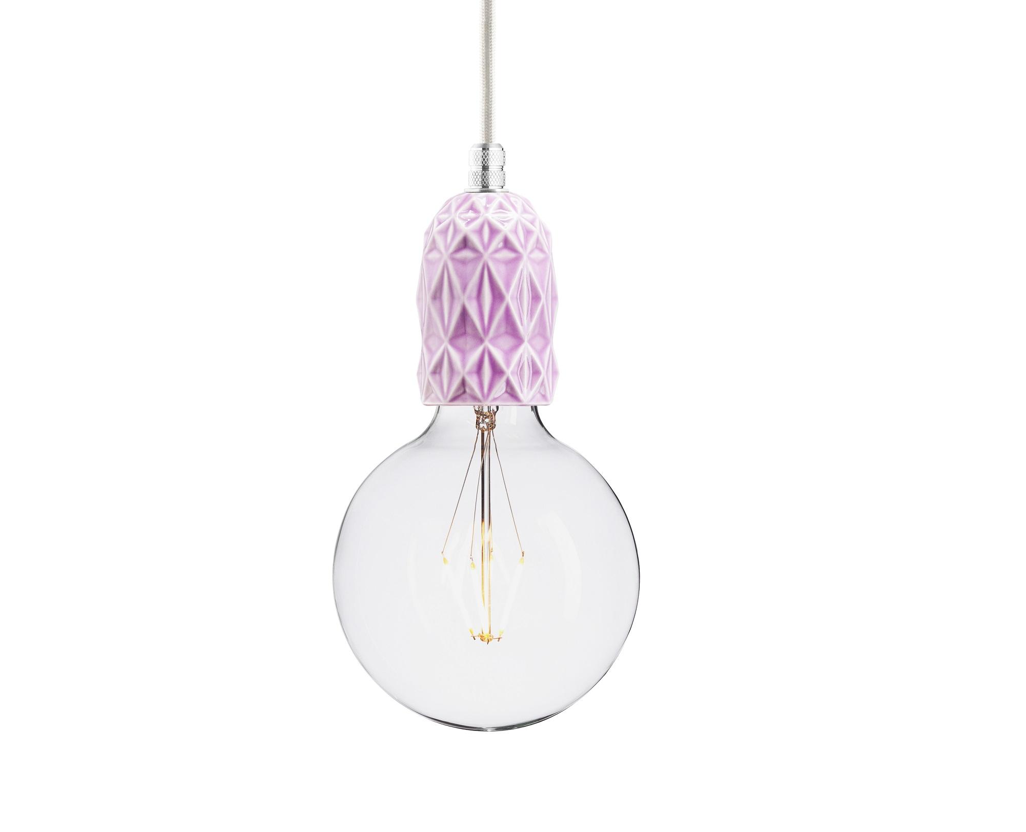 Подвесной светильник AIRПодвесные светильники<br>Подвесной светильник из керамики, доступный в 4-ех цветах: красном, индиго, голубом и лиловом. Два вида фурнитуры: латунь или алюминий.&amp;amp;nbsp;&amp;lt;div&amp;gt;&amp;lt;br&amp;gt;&amp;lt;/div&amp;gt;&amp;lt;div&amp;gt;&amp;lt;div&amp;gt;Вид цоколя: E27&amp;lt;/div&amp;gt;&amp;lt;div&amp;gt;Мощность: 60W&amp;lt;/div&amp;gt;&amp;lt;div&amp;gt;Количество ламп: 1&amp;lt;/div&amp;gt;&amp;lt;/div&amp;gt;&amp;lt;div&amp;gt;&amp;lt;br&amp;gt;&amp;lt;/div&amp;gt;<br><br>Material: Керамика<br>Ширина см: 5.9<br>Высота см: 10.5<br>Глубина см: 5.9