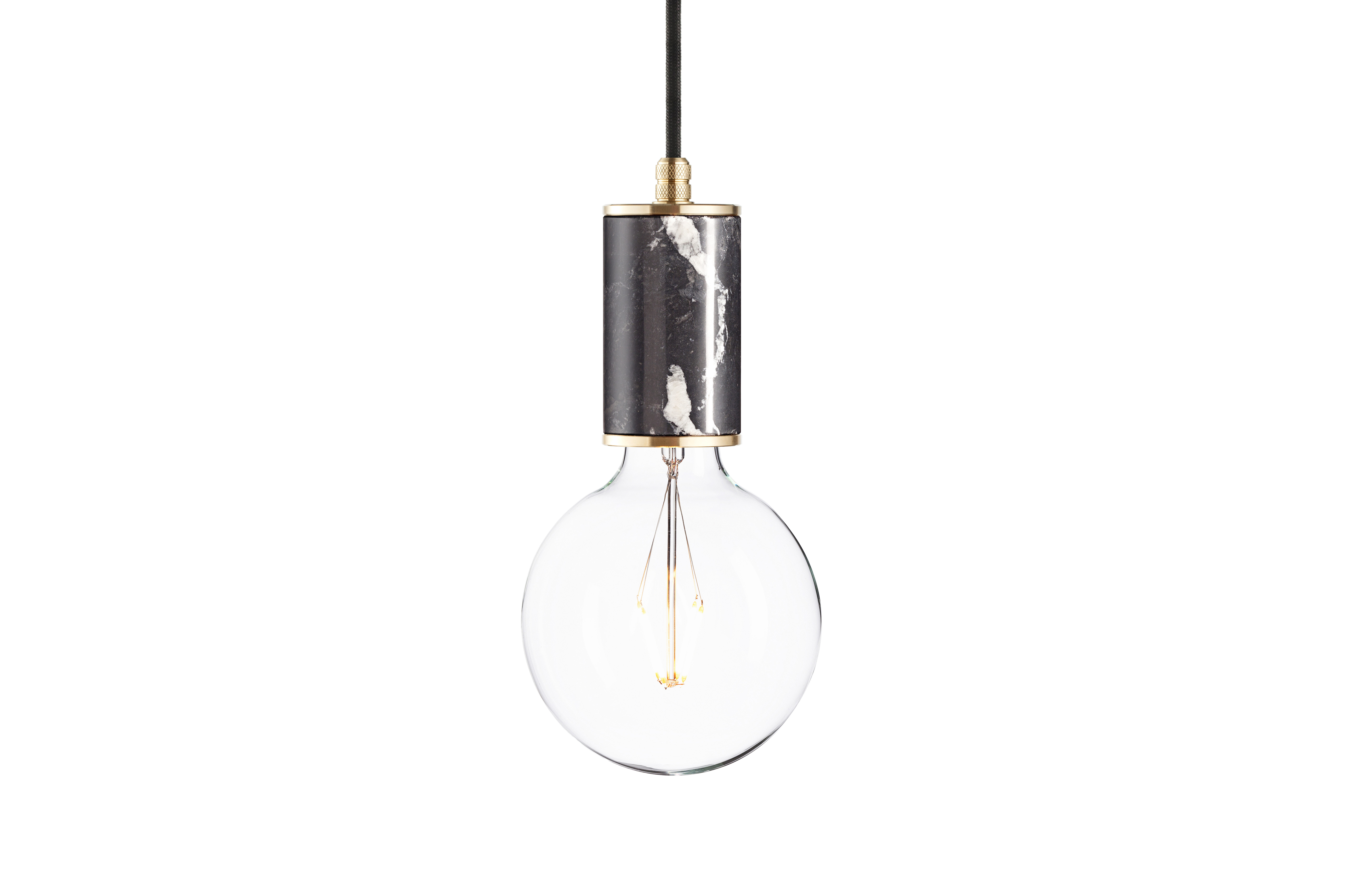 Подвесной светильник Marmor GlansПодвесные светильники<br>Подвесной светильник &amp;quot;Marmor Glans&amp;quot; сочетает в себе строгость минимализма и с утонченностью роскошной отделки. Благодаря натуральному черному мрамору он выглядит изысканно. Латунные детали добавляют декору еще больше элегантности, которая на контрасте с брутальным стилем лофт создает потрясающий облик.&amp;lt;div&amp;gt;&amp;lt;br&amp;gt;&amp;lt;/div&amp;gt;&amp;lt;div&amp;gt;Лампочка приобретается отдельно. Цоколь Е27, максимальная мощность лампочки - 60 W, длина шнура - 3 м.&amp;amp;nbsp;&amp;lt;/div&amp;gt;&amp;lt;div&amp;gt;Материал: корпус - мрамор Nero Marquinia, фурнитура - латунь, сталь, патрон - пластик, кабель в оплетке. Под заказ. Срок изготовления 3 недели.&amp;amp;nbsp;&amp;lt;/div&amp;gt;<br><br>Material: Мрамор<br>Ширина см: 6.0<br>Высота см: 10.8<br>Глубина см: 6.0