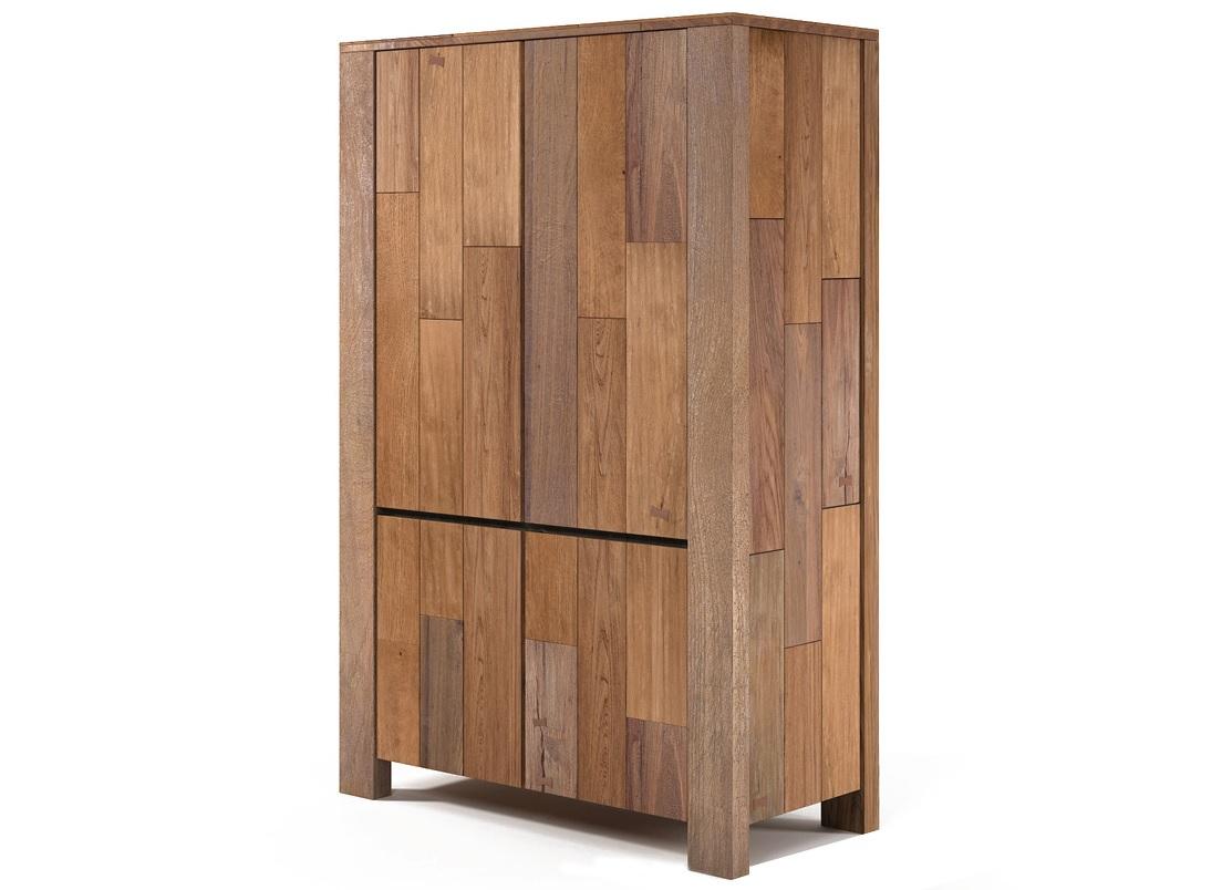 Шкаф HornerПлатяные шкафы<br>&amp;lt;div&amp;gt;Вместительный платяной шкаф из массива тика. Распашные дверцы открывают доступ к двум отделениям, соотносящимся по размеру в примерных пропорциях один к двум. Верхняя часть снабжена штангой для развешивания плечиков с одеждой. В нижнем отсеке находится выдвижной ящик.&amp;amp;nbsp;&amp;lt;/div&amp;gt;&amp;lt;div&amp;gt;&amp;lt;br&amp;gt;&amp;lt;/div&amp;gt;&amp;lt;div&amp;gt;Дверцы подвешены на внутренних петлях, а внешняя фурнитура (ручки) не применяется вообще. Таким образом, ничто не отвлекает взгляд от созерцания естественной расцветки тиковой древесины.&amp;amp;nbsp;&amp;lt;/div&amp;gt;&amp;lt;div&amp;gt;&amp;lt;br&amp;gt;&amp;lt;/div&amp;gt;&amp;lt;div&amp;gt;Рёбра, скрепляющие стенки, одновременно выполняют функцию ножек. Каждое ребро изготовлено из цельного куска тикового бруса. Подобный нюанс, помноженный на высочайшее качество сборки, определяет и устойчивость шкафа Horner, и его прочность, и долговечность.&amp;amp;nbsp;&amp;lt;/div&amp;gt;<br><br>Material: Тик<br>Length см: None<br>Width см: 120<br>Depth см: 55<br>Height см: 182<br>Diameter см: None