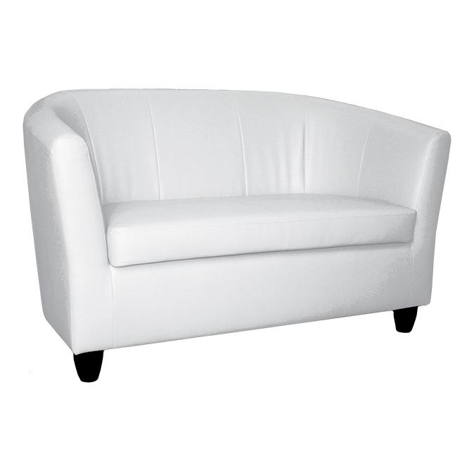 Диван СитиКожаные диваны<br>Современный практичный диван способен вписаться как в интерьер офиса, так и в уютную домашнюю обстановку. «Сити» отлично смотрится в любой обивке: натуральной коже или гармонично подобранной ткани.<br>Изделие имеет прочный деревянный каркас, спроектированный с учётом эргономики. Мягкие сидение и спинка обеспечивают комфорт и удобную посадку.<br><br>Material: Кожа<br>Width см: 131<br>Depth см: 70<br>Height см: 80