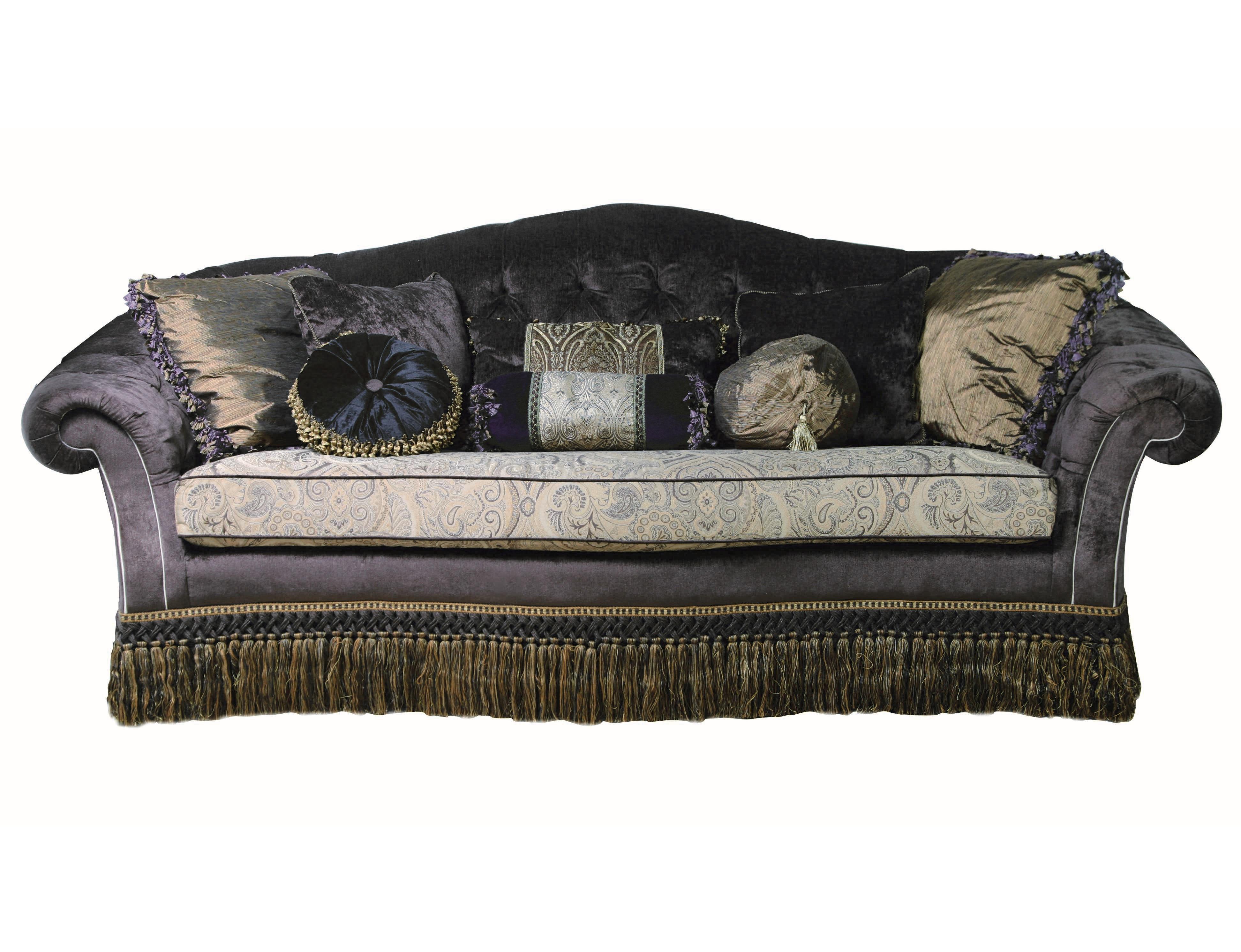 Диван CIRCLEДвухместные диваны<br>Двухместный диван в классическом стиле. Выполнен на &amp;quot;скрытом&amp;quot; каркасе. Подушка сиденья независимая. Предлагается в текстильной обивке из каталога фабрики. Для создания наибольшего комфорта модель дополнена многочисленными декоративными подушками. Основание задрапировано &amp;quot;юбкой&amp;quot; из бахромы.<br><br>Material: Текстиль<br>Width см: 210<br>Depth см: 95<br>Height см: 112