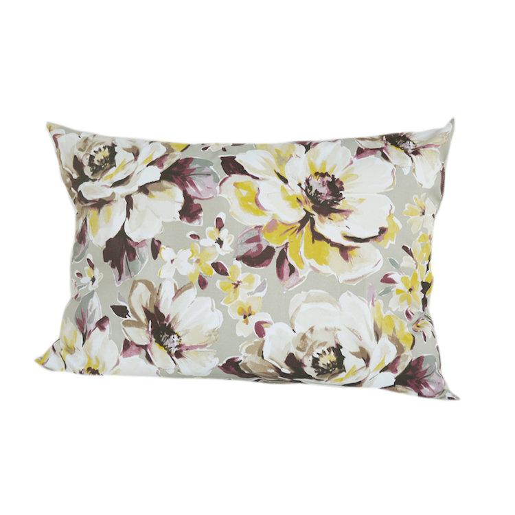 Подушка для сна МартаПрямоугольные подушки<br>подушка для сна с наполнением из качественного холлофайбера, прочной ткани из хлопка, сладкий сон гарантирован<br><br>Material: Хлопок<br>Width см: 70<br>Depth см: 20<br>Height см: 50