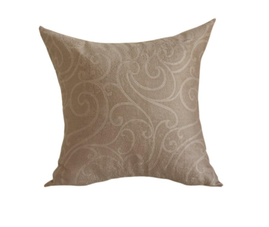Подушка приталенной формы Фигарное катаниеКвадратные подушки и наволочки<br>маленькая  подушка приталенной формы, факрутный рисунок<br><br>Material: Велюр<br>Ширина см: 45<br>Высота см: 45<br>Глубина см: 10