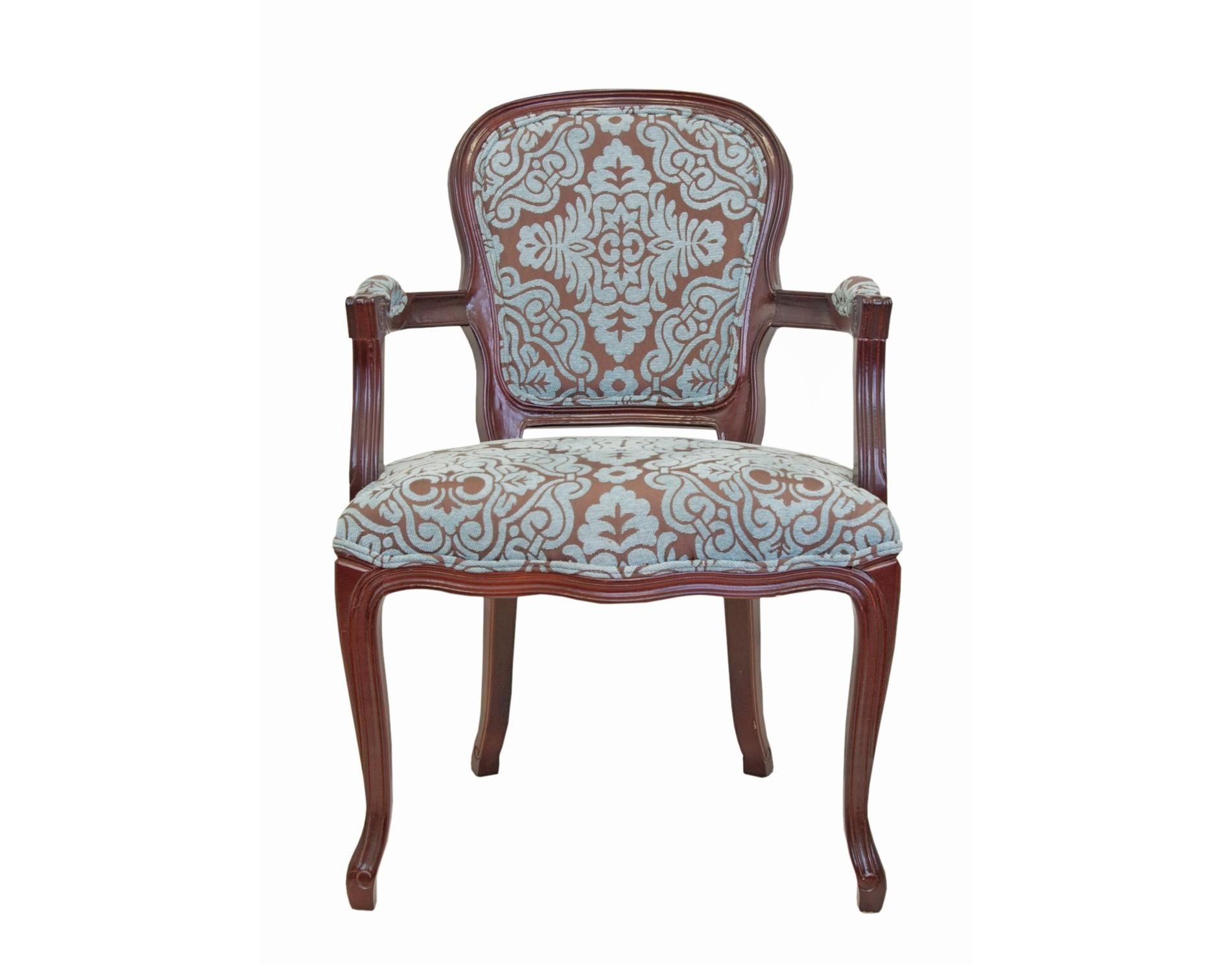 Стул VinteraСтулья с подлокотниками<br>Шикарный мягкий стул Vintera яркий представитель классического дизайна. Основание модели выполнено из массива дерева в приятном тёплом ореховом цвете, а изогнутые ножки дополняют общую задумку и органично поддерживают задумку классического образа. &amp;amp;nbsp;<br><br>Material: Дуб<br>Width см: 64<br>Depth см: 65<br>Height см: 95