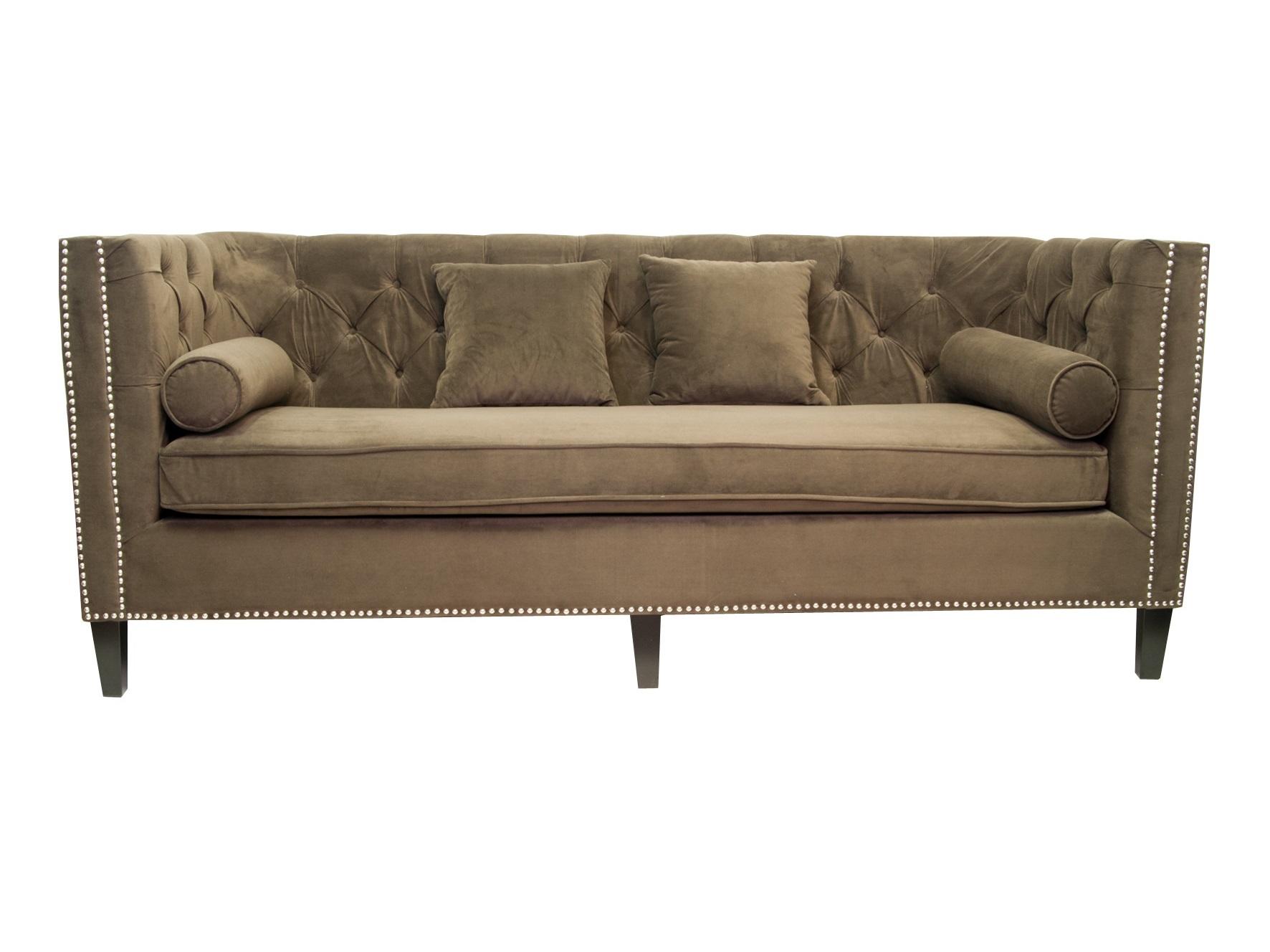 Диван MartinТрехместные диваны<br>Эта элегантная модель дивана приковывает к себе внимание с первого взгляда, его коричневый цвет обивки невероятно красив и глубок. Диван Martin станет отличным украшением вашего дома, привнесет в него шик и очарование, сделает интерьер более насыщенным и интересным.В дополнение к дивану идут мягкие подушки, которые придают ещё большего уюта. &amp;amp;nbsp;<br><br>Material: Текстиль<br>Width см: 209<br>Depth см: 95<br>Height см: 88
