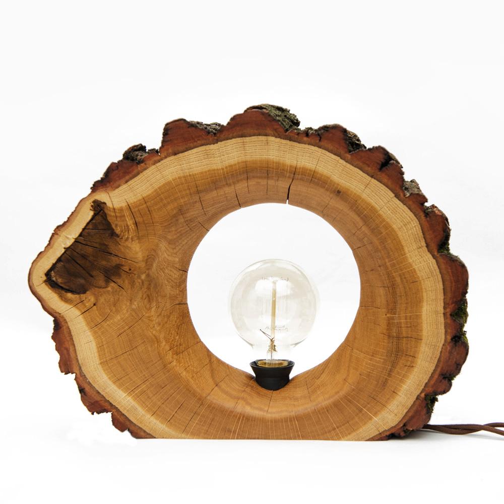 Светильник настольный №35Декоративные лампы<br>Небольшой компактный светильник. Изящная фактура дуба подчеркнута крупной корой. Мы сохранили зеленый мох для придания атмосферы леса. В комплекте с лампой идут ретро-лампочка Эдисона, винтажный шнур 1.83см, выключатель. Пропитан маслом.&amp;lt;div&amp;gt;&amp;lt;br&amp;gt;&amp;lt;/div&amp;gt;&amp;lt;div&amp;gt;&amp;lt;div&amp;gt;Вид цоколя: E27&amp;lt;/div&amp;gt;&amp;lt;div&amp;gt;Мощность лампы: 40W&amp;lt;/div&amp;gt;&amp;lt;div&amp;gt;Количество ламп: 1&amp;lt;/div&amp;gt;&amp;lt;/div&amp;gt;<br><br>Material: Дуб<br>Length см: None<br>Width см: 35<br>Depth см: 8<br>Height см: 27<br>Diameter см: None