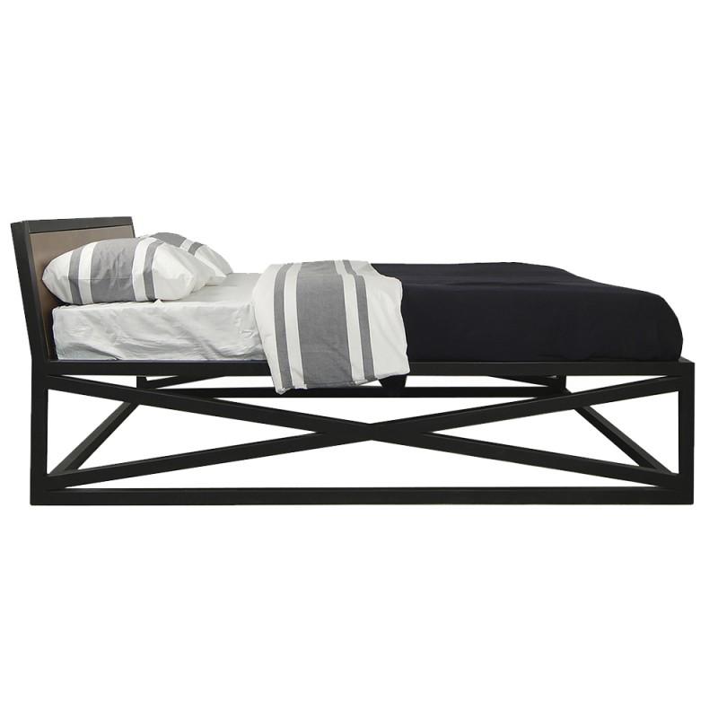 Дизайнерская двуспальная кровать IndustrialКованые и металлические кровати<br>Размер спального места: 160х200 см.<br><br>Material: Береза