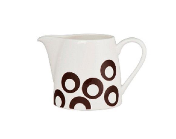 МолочникКофейники и молочники<br>MIKASA по праву считается одним из мировых лидеров по производству столовой посуды из фарфора и керамики. На протяжении более полувека категории качества и дизайна являются неотъемлемой частью бренда MIKASA. Сегодня MIKASA сотрудничает со многими известными дизайнерами, работающими для лучших фабрик мира, и использует самые передовые технологии в производстве посуды. Все продукты бренда  MIKASA безупречны с точки зрения дизайна и исполнения.&amp;amp;nbsp;&amp;lt;div&amp;gt;&amp;lt;br&amp;gt;&amp;lt;/div&amp;gt;&amp;lt;div&amp;gt;&amp;lt;span style=&amp;quot;font-size: 14px;&amp;quot;&amp;gt;Объем: 200 мл.&amp;lt;/span&amp;gt;&amp;lt;br&amp;gt;&amp;lt;/div&amp;gt;<br><br>Material: Фарфор