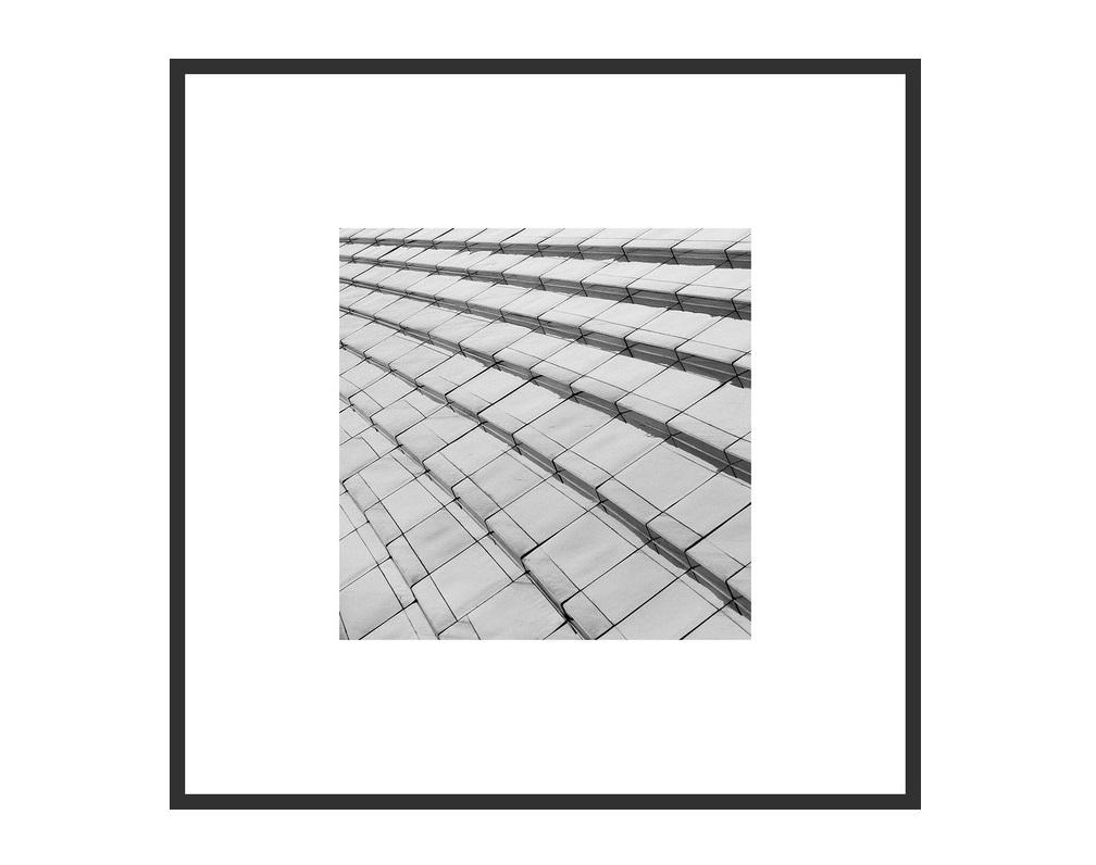 Авторский постер Бег по вертикалиПостеры<br>&amp;lt;div&amp;gt;Все слышали фразу про «застывшую музыку». Для меня же архитектура - скорее, поэзия. Иногда это белый стих, иногда рифмы, неважно. Красивую архитектуру всегда приятно «читать», гуляя по улицам. К счастью, всегда можно сфотографировать понравившийся «отрывок» или повесить на стену «цитату» в авторском прочтении.&amp;lt;/div&amp;gt;&amp;lt;div&amp;gt;Георгий Мордвин&amp;lt;/div&amp;gt;&amp;lt;div&amp;gt;&amp;lt;br&amp;gt;&amp;lt;/div&amp;gt;&amp;lt;div&amp;gt;&amp;lt;div&amp;gt;&amp;lt;span style=&amp;quot;color: rgb(67, 68, 64);&amp;quot;&amp;gt;Тираж: 300 экз. С авторской подписью. Рама и паспарту включены в стоимость.&amp;amp;nbsp;&amp;lt;/span&amp;gt;За указанную стоимость размер: 25x25 см.&amp;lt;br&amp;gt;&amp;lt;/div&amp;gt;&amp;lt;div&amp;gt;Срок поставки 3-5 рабочих дней с момента оформления заказа.&amp;lt;/div&amp;gt;&amp;lt;/div&amp;gt;<br><br>Material: Бумага<br>Ширина см: 25<br>Высота см: 25