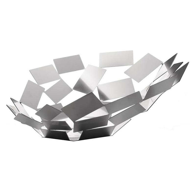 Блюдо La stanza dello sciroccoДекоративные блюда<br>Великолепное широкое блюдо из серии предметов для гостиной и кухни La Stanza dello Scirocco.<br><br>На создание коллекции архитектора и дизайнера Марио Тримарки вдохновили традиционные комнаты «сирокко», которые можно повстречать в богатых сицилийских домах. Эти небольшие помещения без окон предназначены для укрытия в случае сильного средиземноморского ветра. Шум мощных порывов, философские размышления о жизни и игра теней на стене — такова атмосфера этих комнат, в которых люди бывают вынуждены проводить в бездействии долгое время. <br><br>Тонкие пластины, которые образуют ассиметричные формы коллекции, кажутся как будто закрученными в воздухе ветряным вихрем. При первом взгляде на блюдо даже может показаться, словно отдельные его части никак не закреплены между собой: еще чуть-чуть — и оно разлетится в разные стороны! Дизайн: Mario Trimarchi.&amp;lt;div&amp;gt;&amp;lt;br&amp;gt;&amp;lt;/div&amp;gt;&amp;lt;div&amp;gt;&amp;lt;span style=&amp;quot;font-size: 14px;&amp;quot;&amp;gt;Детали: Материал: окрашенная нержавеющая сталь -&amp;lt;/span&amp;gt;&amp;lt;br&amp;gt;&amp;lt;/div&amp;gt;<br><br>Material: Сталь<br>Width см: 41,6<br>Depth см: 37,5<br>Height см: 15