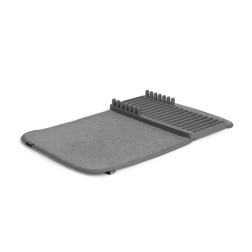 Коврик для сушки Udry miniАксессуары для кухни<br>Компактная версия коврика UDRY. Ворсистый коврик для посуды и столовых приборов + пластиковая сушилка с 6 делениями для тарелок. Сушилка может быть закреплена посередине коврика или с краю, чтобы освободить место для большого сотейника. Кроме того, она легко снимается для мытья. Коврик складывается в три раза и закрепляется эластичной лентой для компактного хранения.  Нижняя часть коврика состоит из мембраны, благодаря которой влага быстро испаряется.&amp;lt;div&amp;gt;&amp;lt;br&amp;gt;&amp;lt;/div&amp;gt;&amp;lt;div&amp;gt;Дизайнер David Green.&amp;lt;/div&amp;gt;<br><br>Material: Пластик<br>Width см: 50,8<br>Depth см: 33<br>Height см: 4,5
