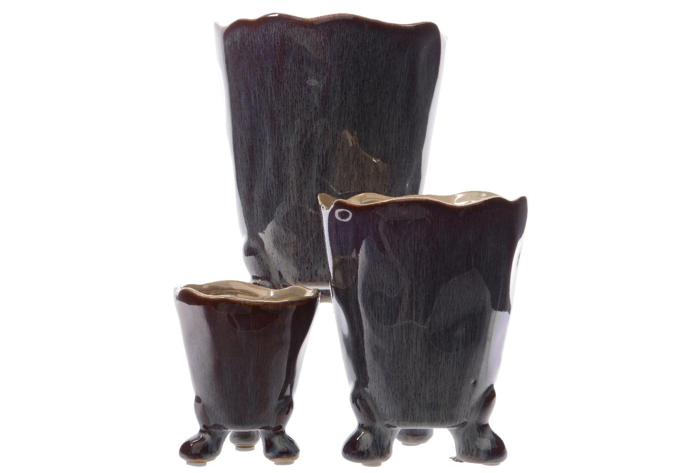 Сет вазонов на ножках (3шт)Кашпо<br>Размеры: 17х13,5х13,5, 15х11х11, 12х9х9<br><br>Material: Керамика<br>Width см: 13.5<br>Depth см: 17<br>Height см: 13.5