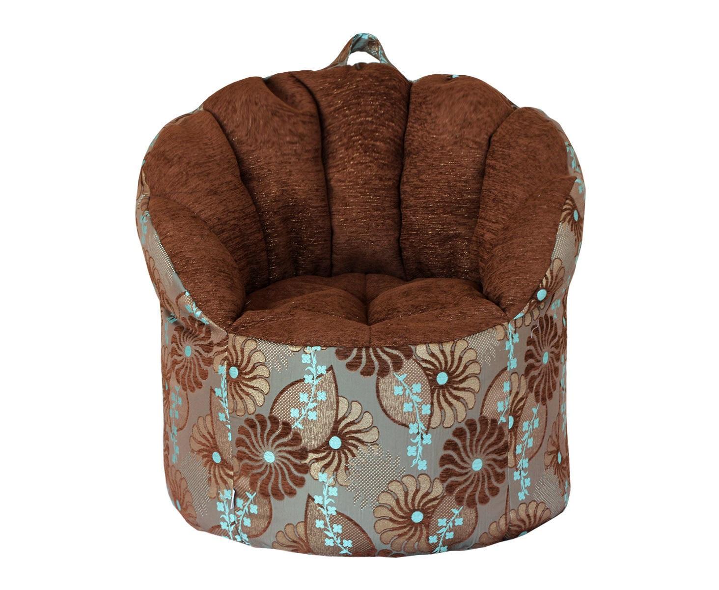 Кресло-пуф Blue FlowersФорменные пуфы<br>Это кресло просто создано для творческих людей! На нем будет так комфортно и приятно расположиться в перерыве между рисованием картины или игрой на музыкальном инструменте, на нем вы сможете обдумать и найти пути реализаций своих самых смелых фантазий, ведь яркий орнамент на этом кресле вдохновляет! Удобная спинка с круговой поддержкой спины позаботится о том, чтобы вам было уютно и приятно находиться в этом кресле, и ничего не отвлекало вас от дел.<br><br>Material: Текстиль<br>Ширина см: 70<br>Высота см: 35<br>Глубина см: 80
