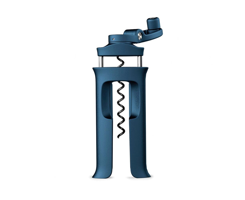 Винтовой штопор Barwise эргономичныйАксессуары для кухни<br>Эргономичный и легкий в использовании винтовой штопор. <br>Включает в себя встроенный нож для снятия фольги и винт с неприлипающим покрытием, который легко вкручивается в любой тип пробки. <br>Как использовать: для начала удалите фольгу встроенным резаком и надавите штопором на бутылку. Конструкция штопора самостоятельно выравнивается для идеальной установки. Зажмите корпус рукой и крутите ручку по часовой стрелке, вытаскивая пробку. Для удаления штопора также сожмите его рукой и прокручивайте против часовой стрелки. <br>Рекомендуется протирать влажной тканью.<br><br>Material: Пластик<br>Width см: 6,4<br>Depth см: 3<br>Height см: 13,7