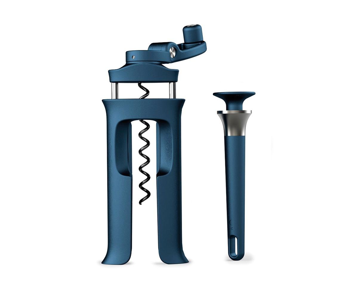 Набор Barwise (винтовой штопор и открывалка с магнитом)Аксессуары для кухни<br>Набор BarWise для полноценного домашнего бара. <br>В набор входят:<br>- Эргономичный и легкий в использовании винтовой штопор. Включает в себя встроенный нож для снятия фольги и винт с неприлипающим покрытием, который легко вкручивается в любой тип пробки. <br>- Открывалка для пивных бутылок с магнитом. Удобный и компактный инструмент с прочным наконечником из нержавеющей стали. Открывает бутылки любой стороной 360° и удерживает крышку после открывания благодаря магнитному кольцу. Удерживает до 4 крышек одновременно.<br>Открывалку можно мыть в посудомоечной машине.<br>Штопор рекомендуется протирать влажной тканью.<br><br>Material: Пластик<br>Width см: 12,5<br>Depth см: 4<br>Height см: 18,5