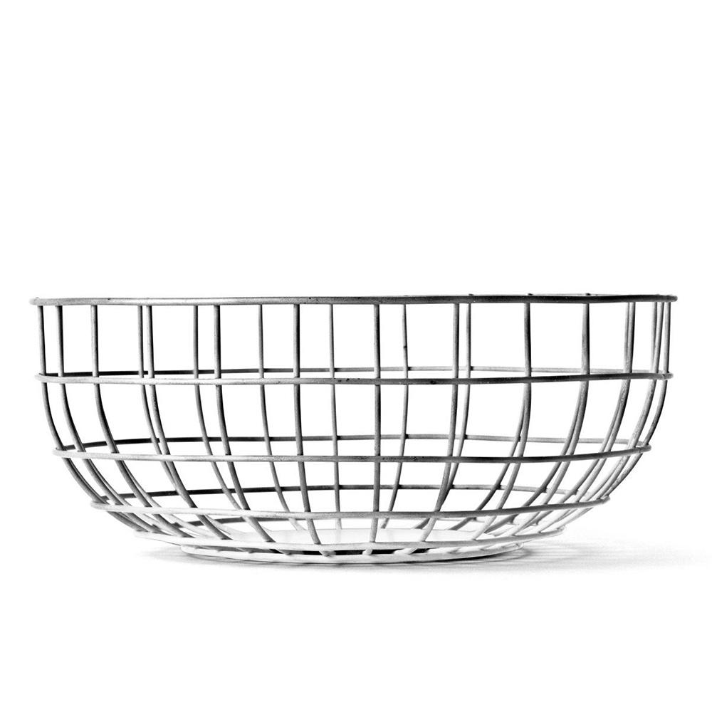 Ваза Norm wire bowlДекоративные чаши<br>Ваза предназначена для фруктов, но область её применения ограничена только вашей фантазией – можете хранить в ней яблоки и апельсины, а можете положить в неё журналы или, например, клубки шерсти для вязания.<br><br>Material: Сталь<br>Height см: 10<br>Diameter см: 25