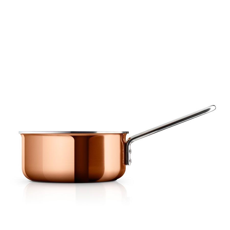 Кастрюля медная copperКастрюли и ковши<br>Сковороды и кастрюли из меди необходимы на каждой кухне – с одной стороны, потому что медь является уникальным материалом для готовки и жарки, с другой, потому что такая посуда предоставляет полный контроль за процессом готовки, так как быстро реагирует на смену температуры, что очень важно при приготовлении соусов и других сложных блюд.<br>Вся посуда для готовки имеет практичный носик, что ещё больше облегчает готовку. Подходит для всех типов плит.&amp;lt;div&amp;gt;&amp;lt;br&amp;gt;&amp;lt;/div&amp;gt;&amp;lt;div&amp;gt;Объем: 1,5 л.&amp;lt;/div&amp;gt;<br><br>Material: Медь