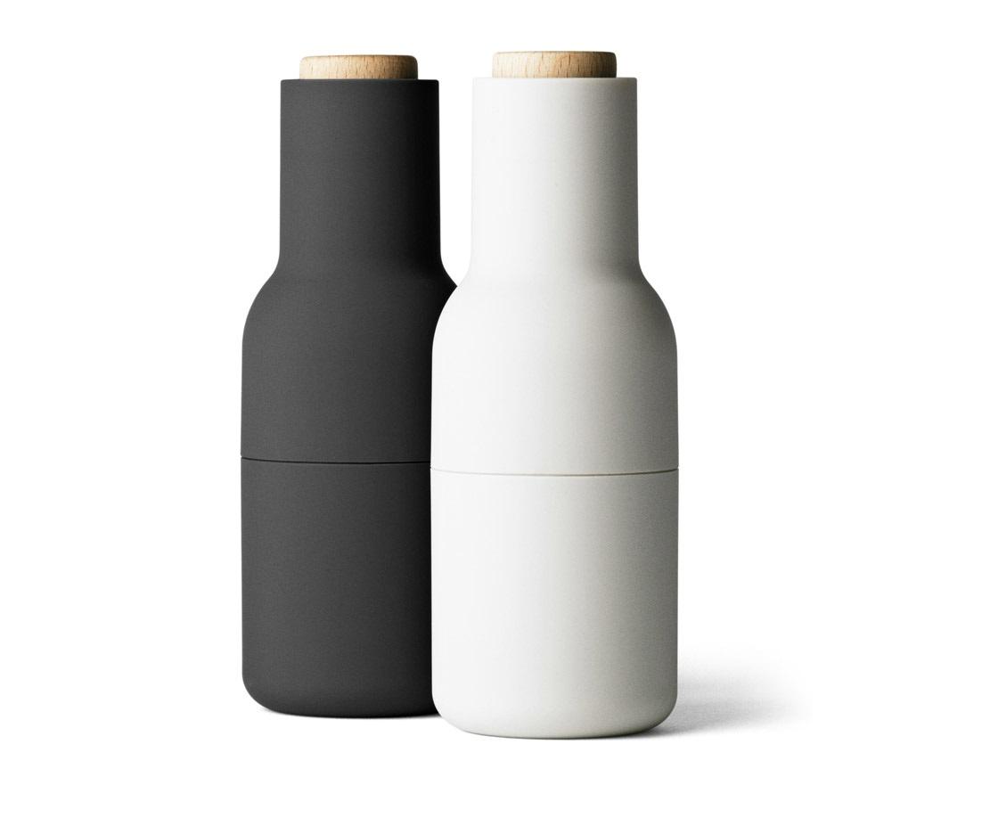 Мельницы для соли и перца bottleНабор для специй<br>Набор мельниц для специй от дизайнеров датского бренда Menu - это больше, чем просто солонка и перечница. Это всегда свежие и ароматные специи идеального помола. Внутри - надежная керамическая мельница. Специи попадают в тарелку только во время помола, и никак иначе, так что столешницу не придется убирать и чистить. Плюс к этому, они очень приятны на ощупь и удобно ложатся прямо в руку.&amp;lt;div&amp;gt;&amp;lt;br&amp;gt;&amp;lt;/div&amp;gt;&amp;lt;div&amp;gt;Материал: пластик, керамика, дерево&amp;lt;br&amp;gt;&amp;lt;/div&amp;gt;<br><br>Material: Пластик