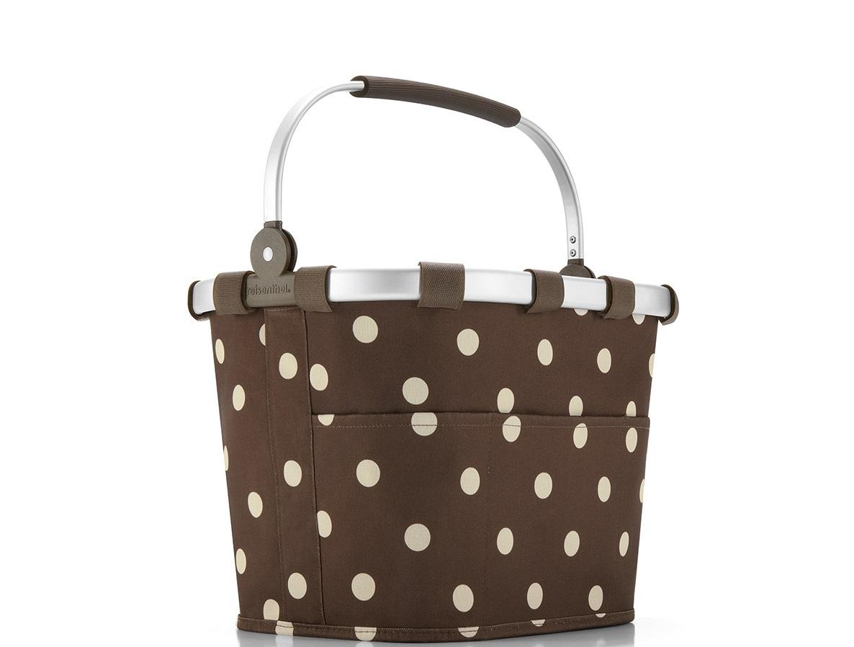 Корзина для велосипеда bikebasket plus mocha dotsКорзины<br>Собираясь на велосипедную прогулку или пикник, не забудьте захватить пару бутербродов и бутылку воду. А для удобства положите всё в специальную корзину. С ней даже можно отправиться в магазин.<br>В комплекте кронштейн для крепления на руль (до 26 мм). Так же у сумки есть специальный чехол, защищающий содержимое от дождя. Плотная алюминиевая основа и укрепленное дно обеспечивают надежность и стабильность. Внутри есть карман на молнии, карман для мобильного телефона плюс три внешних кармана для мелочей. Легко складывается при необходимости. Выдерживает до 5 кг.&amp;amp;nbsp;&amp;lt;div&amp;gt;&amp;lt;br&amp;gt;&amp;lt;/div&amp;gt;&amp;lt;div&amp;gt;Объем: 12 литров.&amp;lt;div&amp;gt;Материал: полиэстер, алюминий&amp;lt;br&amp;gt;&amp;lt;/div&amp;gt;&amp;lt;/div&amp;gt;<br><br>Material: Алюминий