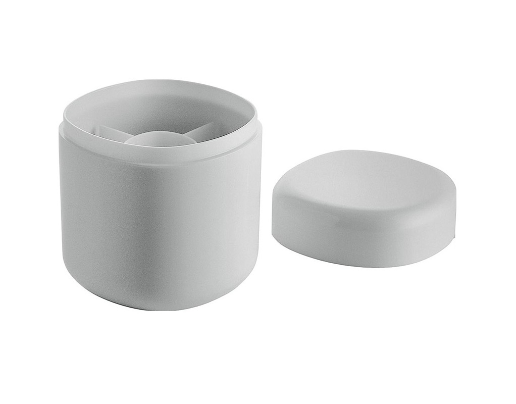 Контейнер для ватных палочек birilloАксессуары для ванной<br>Пластиковый контейнер для хранения ватных дисков. Является частью коллекции аксессуаров для ванной комнаты Birillo, разработанной дизайнером Пьеро Лиссони. Отличительные черты коллекции - это минимализм, высокачественные долговечные материалы и спокойные прямоугольные формы с закругленными углами. Благодаря своей функциональности и универсальному дизайну предметы серии идеально подходят для абсолютно любой ванной комнаты.&amp;lt;div&amp;gt;&amp;lt;br&amp;gt;&amp;lt;/div&amp;gt;&amp;lt;div&amp;gt;Материал: пластик PMMA&amp;lt;/div&amp;gt;&amp;lt;div&amp;gt;Дизайн: Piero Lissoni&amp;lt;/div&amp;gt;<br><br>Material: Пластик