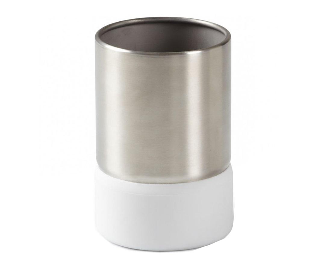 Стакан для ванной ensaАксессуары для ванной<br>Стакан для ванной - это тот маленький, почти незаметный, но очень важный предмет, который мы используем ежедневно для полоскания рта или даже просто как подставку для щеток. Он нужен всем и всегда, это бесспорно. Но как насчет дизайна? В Umbra уверены: такой простой и ежедневно используемый предмет должен выглядеть лаконично и необычно. Ведь в небольшой ванной комнате не должно быть ничего вызывающе яркого. Немного экспериментировав с формой и материалом, дизайнеры создали стакан Ensa, который придется кстати в любом доме!&amp;lt;div&amp;gt;&amp;lt;div&amp;gt;&amp;lt;br&amp;gt;&amp;lt;/div&amp;gt;&amp;lt;div&amp;gt;Материал: металл, пластик&amp;lt;/div&amp;gt;&amp;lt;/div&amp;gt;<br><br>Material: Металл