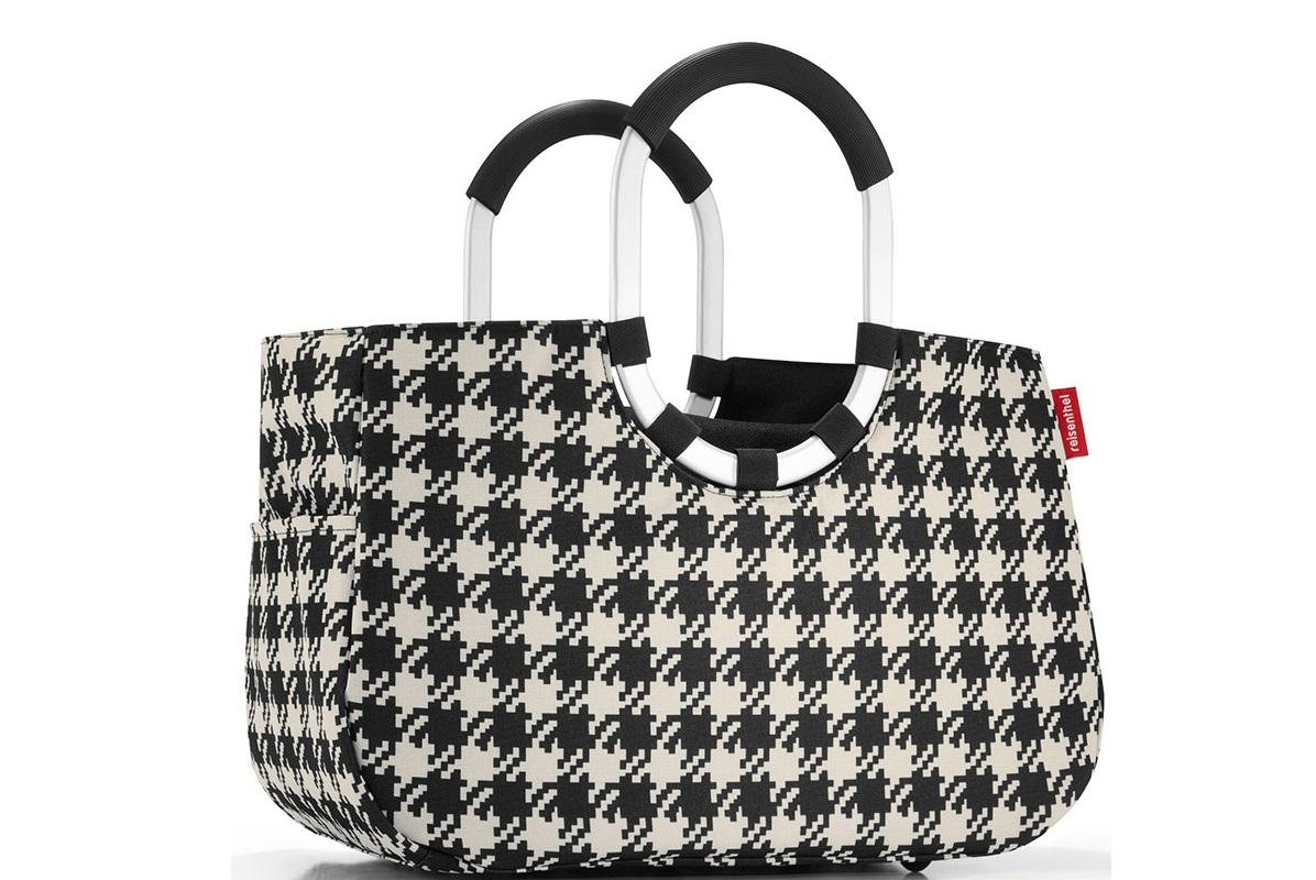 Сумка loopshopper m fiftiesСумки<br>Элегантная шоппинг-сумка, которая выручит как в походе за продуктами, так и при сборах на дачу или на пикник. Ручки из прочного алюминия со специальным прорезиненным покрытием, очень удобно носить в руках. Внутри - карман, застегивающийся на молнию. Плюс два кармана снаружи, по бокам сумки. Так же есть съемная внутренняя сумочка с тремя отделениями&amp;lt;div&amp;gt;&amp;lt;div&amp;gt;&amp;lt;br&amp;gt;&amp;lt;/div&amp;gt;&amp;lt;div&amp;gt;Размеры:&amp;lt;/div&amp;gt;&amp;lt;div&amp;gt;1) 40х26х20 см.&amp;lt;/div&amp;gt;&amp;lt;div&amp;gt;2) 23х28х8 см.&amp;lt;/div&amp;gt;&amp;lt;div&amp;gt;Внутренний объем - 12 литров.&amp;lt;br&amp;gt;&amp;lt;/div&amp;gt;&amp;lt;div&amp;gt;Материал: полиэстер&amp;lt;br&amp;gt;&amp;lt;/div&amp;gt;&amp;lt;/div&amp;gt;&amp;lt;div&amp;gt;&amp;lt;br&amp;gt;&amp;lt;/div&amp;gt;<br><br>Material: Текстиль<br>Width см: 40<br>Depth см: 20<br>Height см: 26