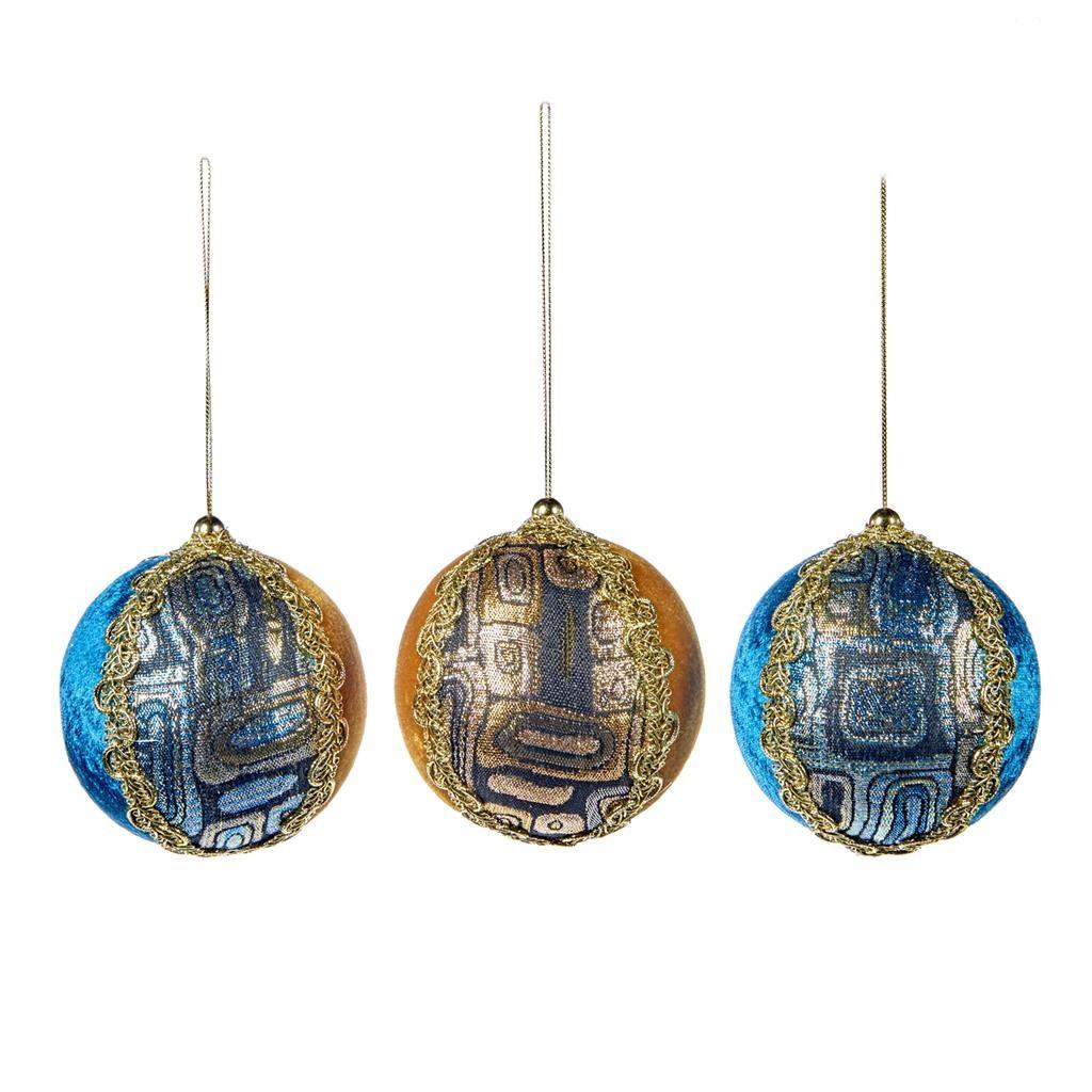 Набор из трех вельветовых шаров на ёлкуНовогодние игрушки<br><br><br>Material: Текстиль<br>Width см: 9<br>Depth см: 9<br>Height см: 9