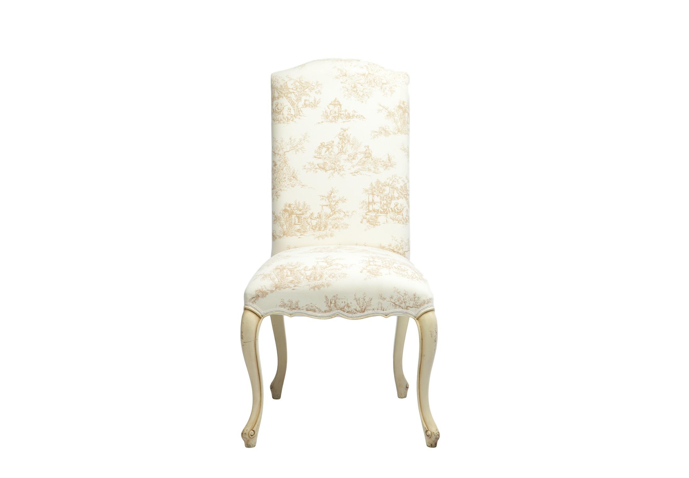 СтулОбеденные стулья<br>Стул обеденный с мягкой спинкой в классическом стиле, ножки декорированы патиной и старением. Обивка с рисунком в стиле Туаль де Жуи.<br><br>Material: Красное дерево<br>Width см: 60<br>Depth см: 56<br>Height см: 108