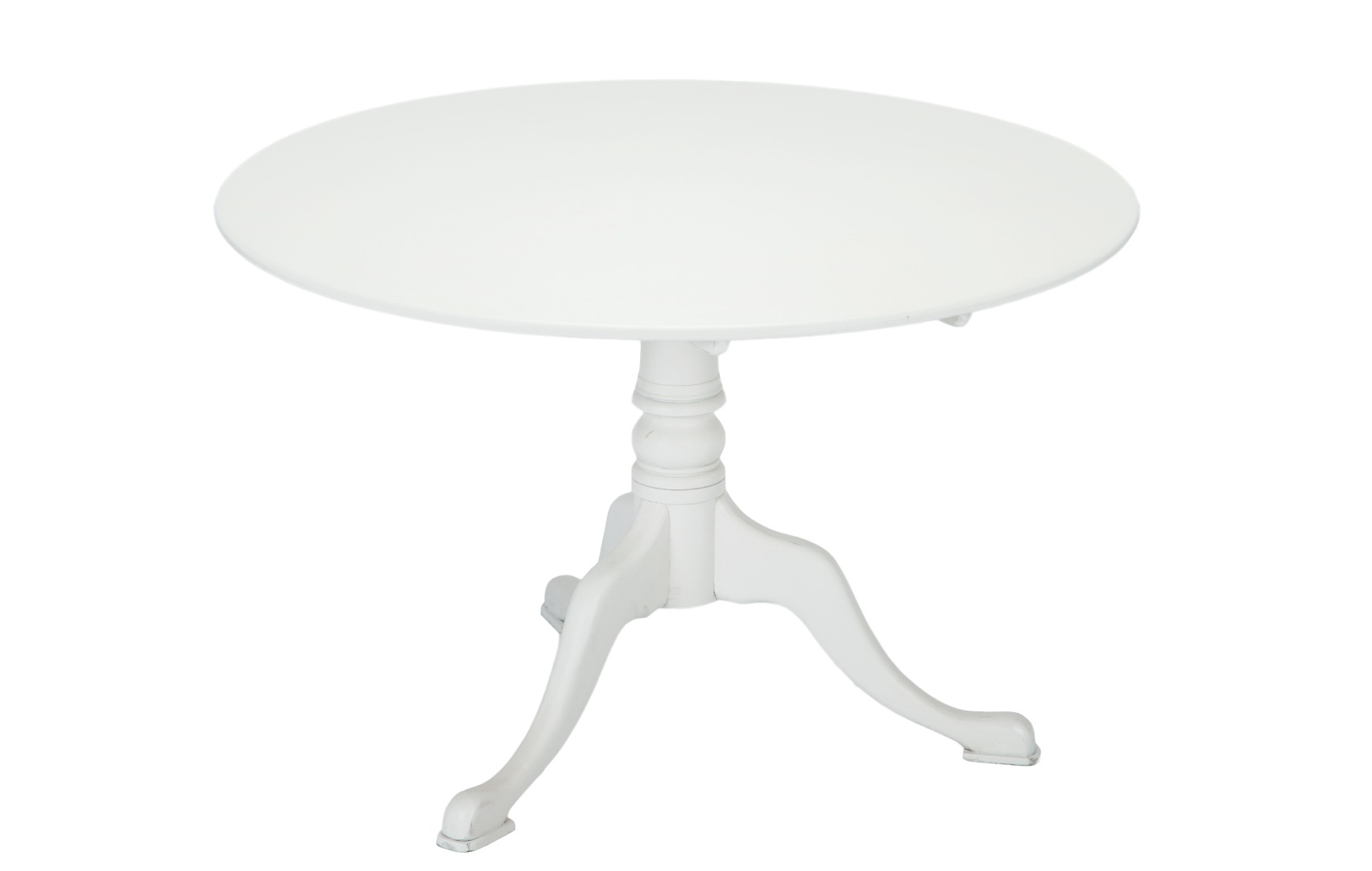 Стол обеденный круглыйОбеденные столы<br>Стол обеденный круглый белого цвета на резной ножке из массива березы.<br><br>Material: Береза<br>Высота см: 75