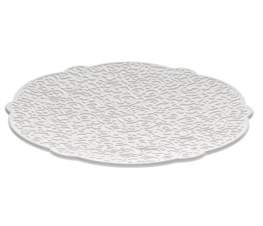 Блюдце  dressed Декоративные блюда<br>Рельефный край блюдца позволяет использовать посуду как для повседневной, так и для праздничной сервировки стола. На всю поверхность нанесен слегка выпуклый узор, напоминающий цветочные мотивы. Несмотря на орнамент, чашка будет устойчиво стоять на поверхности блюдца. Посуда коллекции Dressed разработала голландцем Марселем Вандерсом, который создал современную интерпретацию классической старины. <br><br>Детали:<br><br>• Материал: фарфор<br>• Диаметр: 18,5 см<br><br>Material: Фарфор<br>Height см: 2<br>Diameter см: 18,5