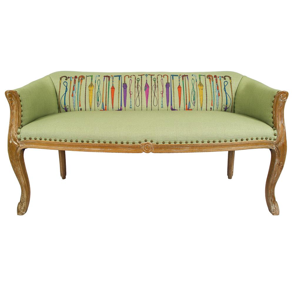 Диванетки «Биарриц Просто дождь»Двухместные диваны<br>Базовый фон обивки диванетки  «Биарриц Просто дождь (грин)» составляет нежно-зеленая ткань. Его украшают зонтики-трости, расположившиеся на спинке дивана. Сочетание цветов безупречно и жизнерадостно. Жёлтый, оранжевый, малиновый и фиолетовый на базовом зеленом – лучшее сочетание цветов, взятое за основу у сам?й природы. Корпус из натурального бука опирается на изогнутые ножки в дворцовой манере &amp;quot;кабриоли&amp;quot;. Грациозный  изгиб облегчает мебель визуально. Ткань из смеси льна и хлопка имеет покрытие, защищающее от пятен. &amp;lt;div&amp;gt;&amp;lt;br&amp;gt;&amp;lt;/div&amp;gt;&amp;lt;div&amp;gt;Материал: корпус - бук, обивка - 25% хлопок, 15% лен, 60% полиэстер&amp;lt;br&amp;gt;&amp;lt;/div&amp;gt;<br><br>Material: Текстиль<br>Width см: 133<br>Depth см: 62<br>Height см: 69