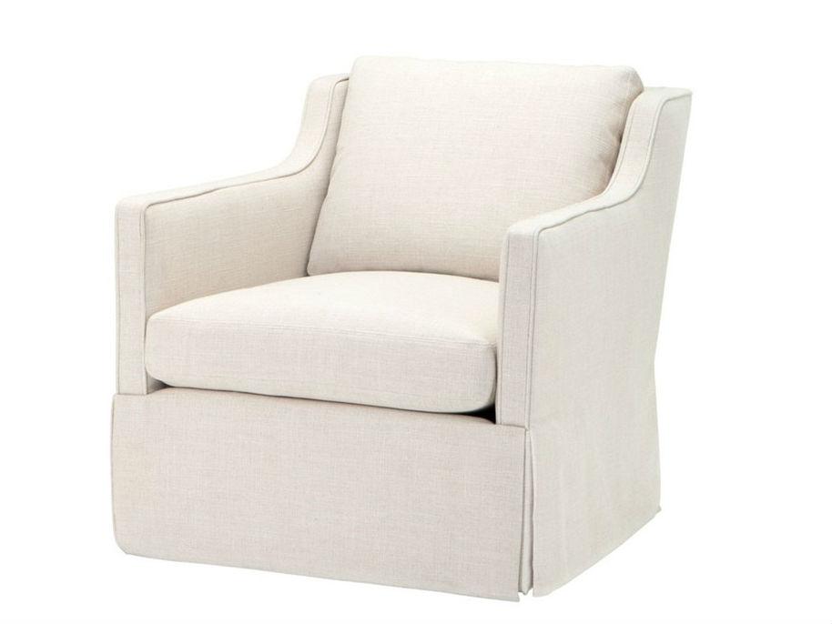 КреслоИнтерьерные кресла<br>Кресло с подлокотниками Chair Cliveden обтянуто белой тканью.<br><br>Material: Текстиль<br>Ширина см: 81<br>Высота см: 82<br>Глубина см: 95