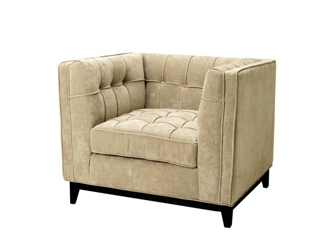 КреслоИнтерьерные кресла<br>Кресло с подлокотниками Chair Aldgate на деревянных черных ножках. Кресло обтянуто вельветовой тканью бежевого цвета. Модель выполнена в технике &amp;quot;Капитоне&amp;quot;.<br><br>Material: Вельвет<br>Width см: 92<br>Depth см: 81<br>Height см: 77