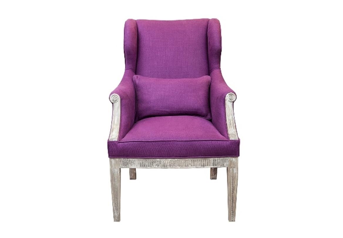 Полукресло СиньораПолукресла<br>С этим очаровательным креслом в стиле французский шик не только ваш интерьер оживет новыми красками, но и вы сами почувствуете себя королевой. Яркий цвет мягкой обивки выгодно подчеркивает резной каркас с эффектом старения.&amp;amp;nbsp;<br><br>Material: Текстиль<br>Width см: 86<br>Depth см: 71<br>Height см: 110<br>Diameter см: None