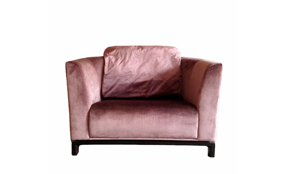 Диван ФлорДвухместные диваны<br>Диван в стиле ар деко от французской фабрики.<br><br>Material: Текстиль<br>Width см: 120<br>Depth см: 90<br>Height см: 75