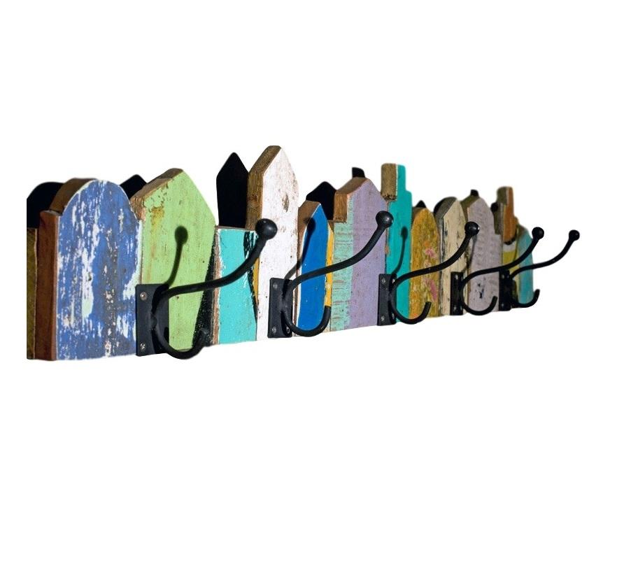 Вешалка  BenВешалки<br>Оригинальная вешалка из деталей от старых лодок создаст настроение благодаря своему радужному окрасу и ассиметричной форме. Подойдет интерьерам в стиле кантри или прихожим зонам загородных домов.<br><br>Material: Дерево<br>Ширина см: 4<br>Высота см: 15