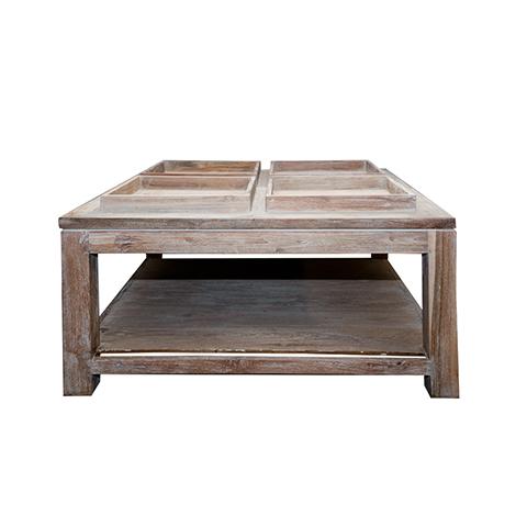Стол СантоЖурнальные столики<br>ROOMERS – это особенная коллекция, воплощение всего самого лучшего, модного и новаторского в мире дизайнерской мебели, предметов декора и стильных аксессуаров. Интерьерные решения от ROOMERS – всегда актуальны, более того, они - на острие моды. Коллекции ROOMERS тщательно отбираются и обновляются дважды в год специально для вас.<br><br>Material: Тик<br>Width см: 100<br>Depth см: 100<br>Height см: 55