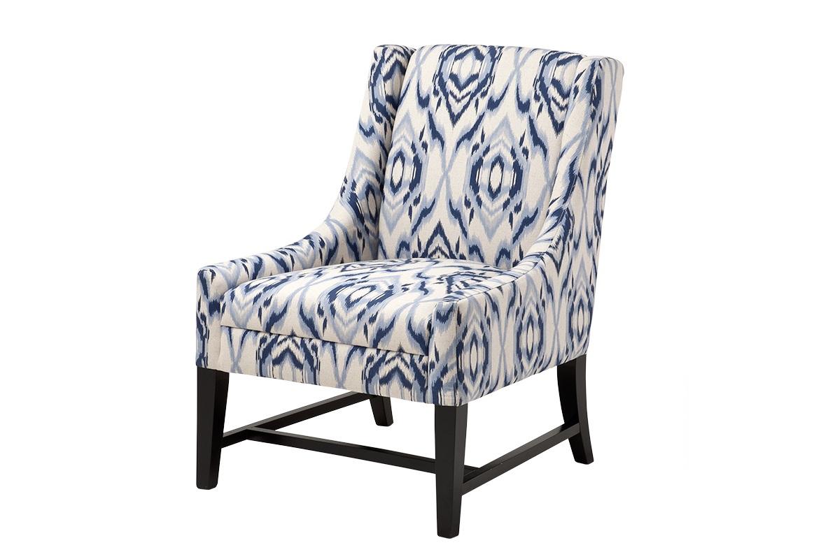 КреслоИнтерьерные кресла<br>Кресло Harrison на деревянных ножках черного цвета. Кресло обтянуто тканью белого цвета с синим принтом.<br><br>Material: Текстиль<br>Width см: 64<br>Depth см: 69<br>Height см: 92