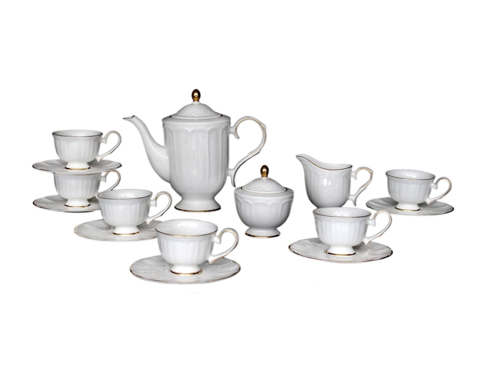 Чайный сервиз Jardine (17шт)Чайные сервизы<br>Этот набор посуды идеально подойдет для повседневного использования. Она отличается скромностью и элегантностью дизайна, а благородный светлый цвет и золотистое обрамление делают эту посуду классической.<br>&amp;amp;nbsp;<br>&amp;amp;nbsp;&amp;lt;div&amp;gt;&amp;lt;br&amp;gt;&amp;lt;/div&amp;gt;&amp;lt;div&amp;gt;В сервиз входят:&amp;amp;nbsp;&amp;lt;br&amp;gt;&amp;lt;/div&amp;gt;&amp;lt;div&amp;gt;Заварочный чайник: высота &amp;amp;nbsp;c крышкой 22 &amp;amp;nbsp;см, ширина 26 &amp;amp;nbsp;см, глубина 12,5 см;<br>&amp;amp;nbsp;&amp;lt;/div&amp;gt;&amp;lt;div&amp;gt;&amp;amp;nbsp;6 блюдец: диаметр 16 см, высота 1,2 см;<br>&amp;amp;nbsp;&amp;amp;nbsp;&amp;lt;/div&amp;gt;&amp;lt;div&amp;gt;6 чашек: высота 6,6 см, ширина: 12 см, глубина: 9 см;<br>&amp;amp;nbsp;&amp;amp;nbsp;&amp;lt;/div&amp;gt;&amp;lt;div&amp;gt;1 сахарница: высота 11,5 см, ширина: 10,5 см,, глубина: 10,5 см;<br>&amp;amp;nbsp;&amp;amp;nbsp;&amp;lt;/div&amp;gt;&amp;lt;div&amp;gt;1 сливочник: высота: 9,2 см, ширина 14 см, глубина: 6,5 см.&amp;amp;nbsp;&amp;lt;/div&amp;gt;&amp;lt;div&amp;gt;&amp;lt;br&amp;gt;&amp;lt;/div&amp;gt;&amp;lt;div&amp;gt;Материал Костяной фарфор.&amp;lt;/div&amp;gt;<br><br>Material: Фарфор<br>Width см: None<br>Depth см: None<br>Height см: None