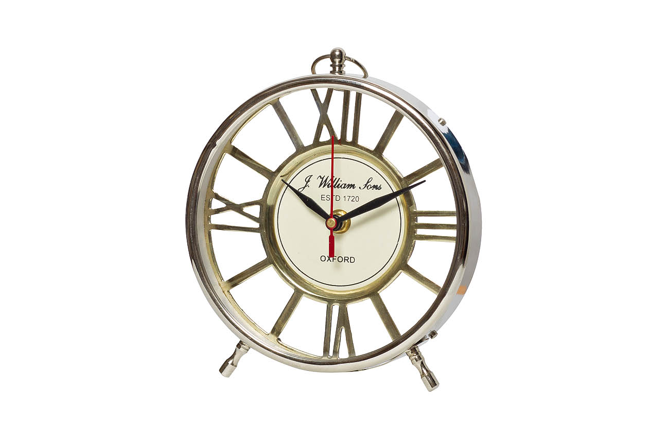 Часы настольныеНастольные часы<br>&amp;lt;span style=&amp;quot;font-size: 14px;&amp;quot;&amp;gt;кварцевый механизм&amp;lt;/span&amp;gt;<br><br>Material: Алюминий<br>Width см: 16<br>Depth см: 1<br>Height см: 18